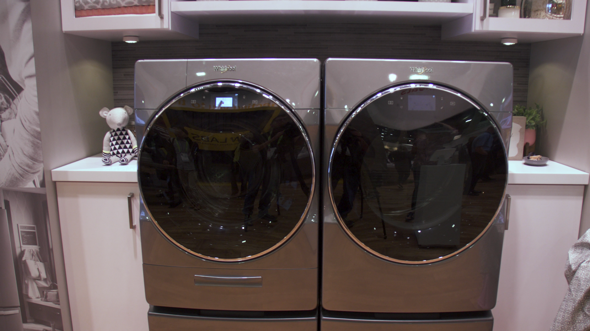 whirlpool washer still2   It's time to clean your washing machine. Here's how to get rid of smelly mold and mildew - CNET   The Paradise