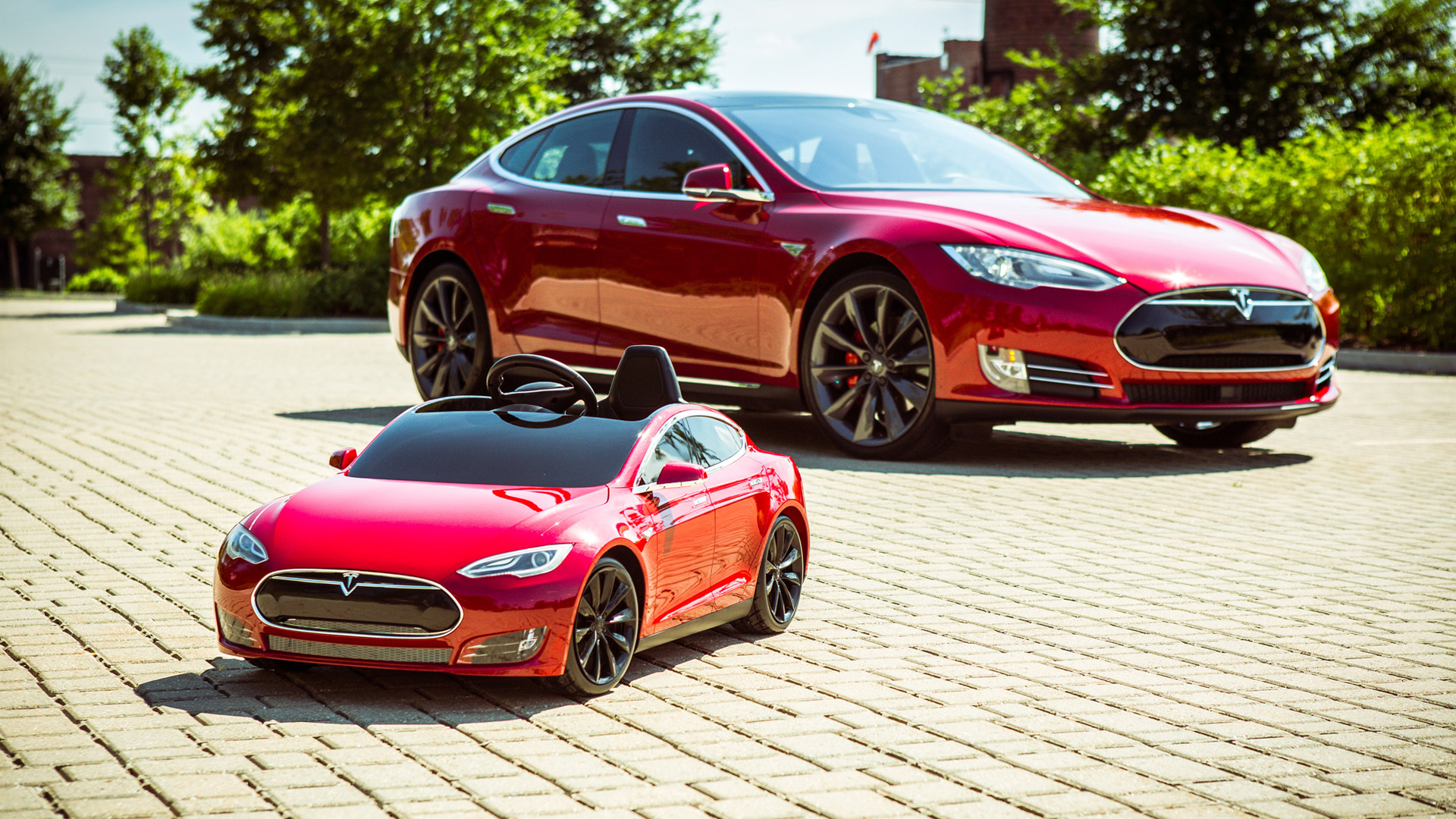 Video: Scaling down with the Tesla Model S for Kids