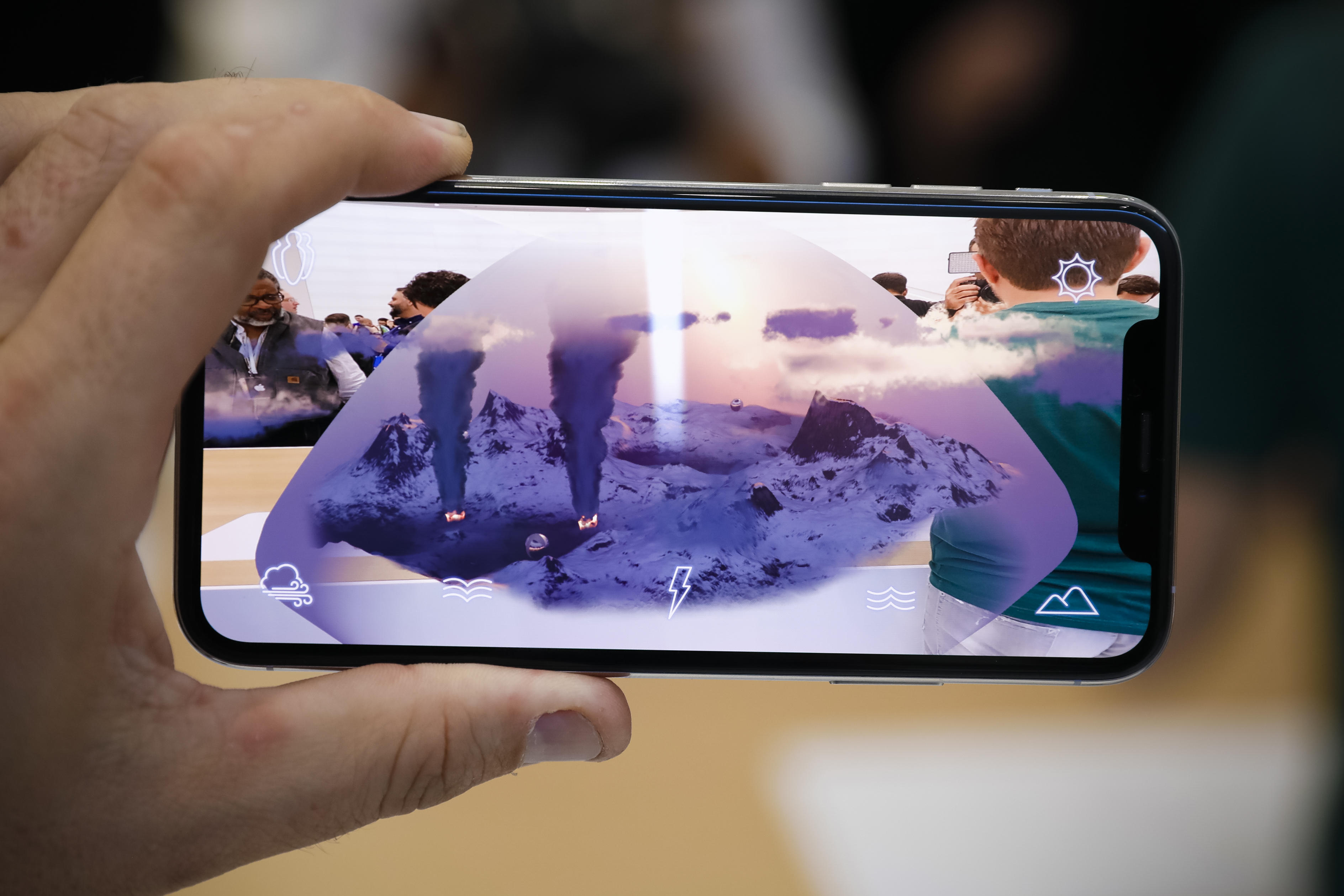 apple-event-091218-iphone-xs-iphone-xs-max-ar-augmented-reality-games-0863