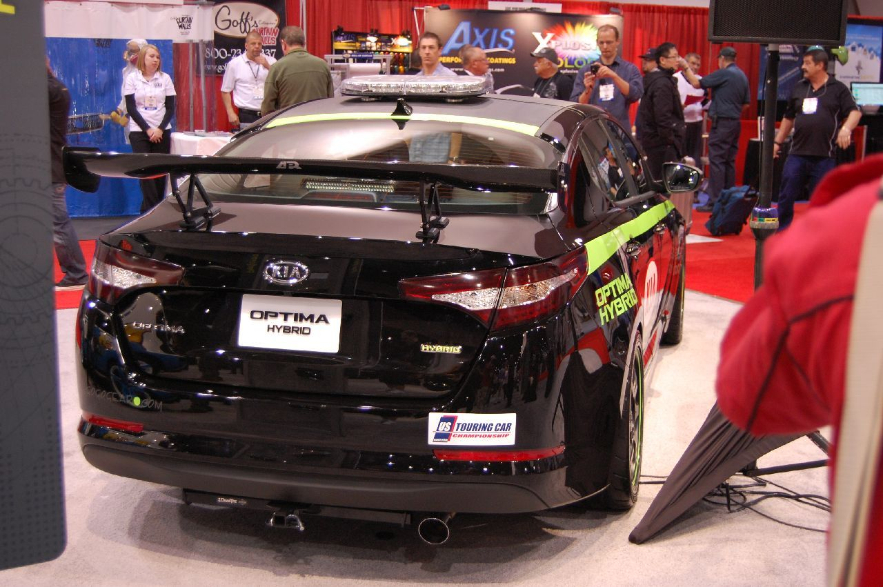 Kia USTCC Optima Hybrid pace car