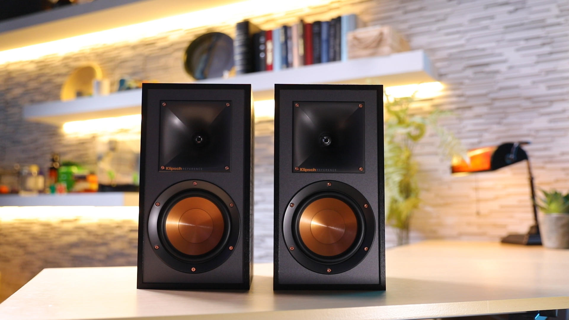Video: Klipsch's striking R-51M monitors sound great on a budget