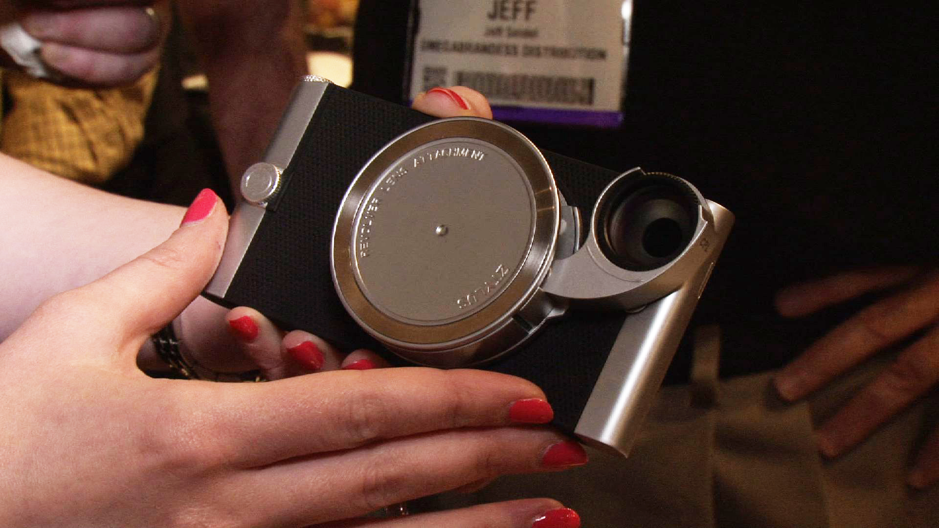 Video: The Ztylus 4-in-1 lens case puts a new twist on smartphone photos