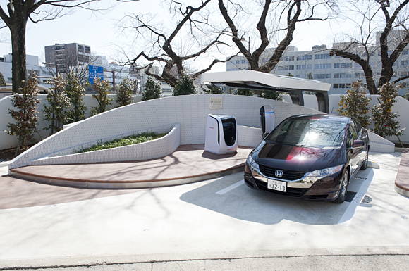 The Honda FCX Clarity and solar-powered home hydrogen-fueling station.
