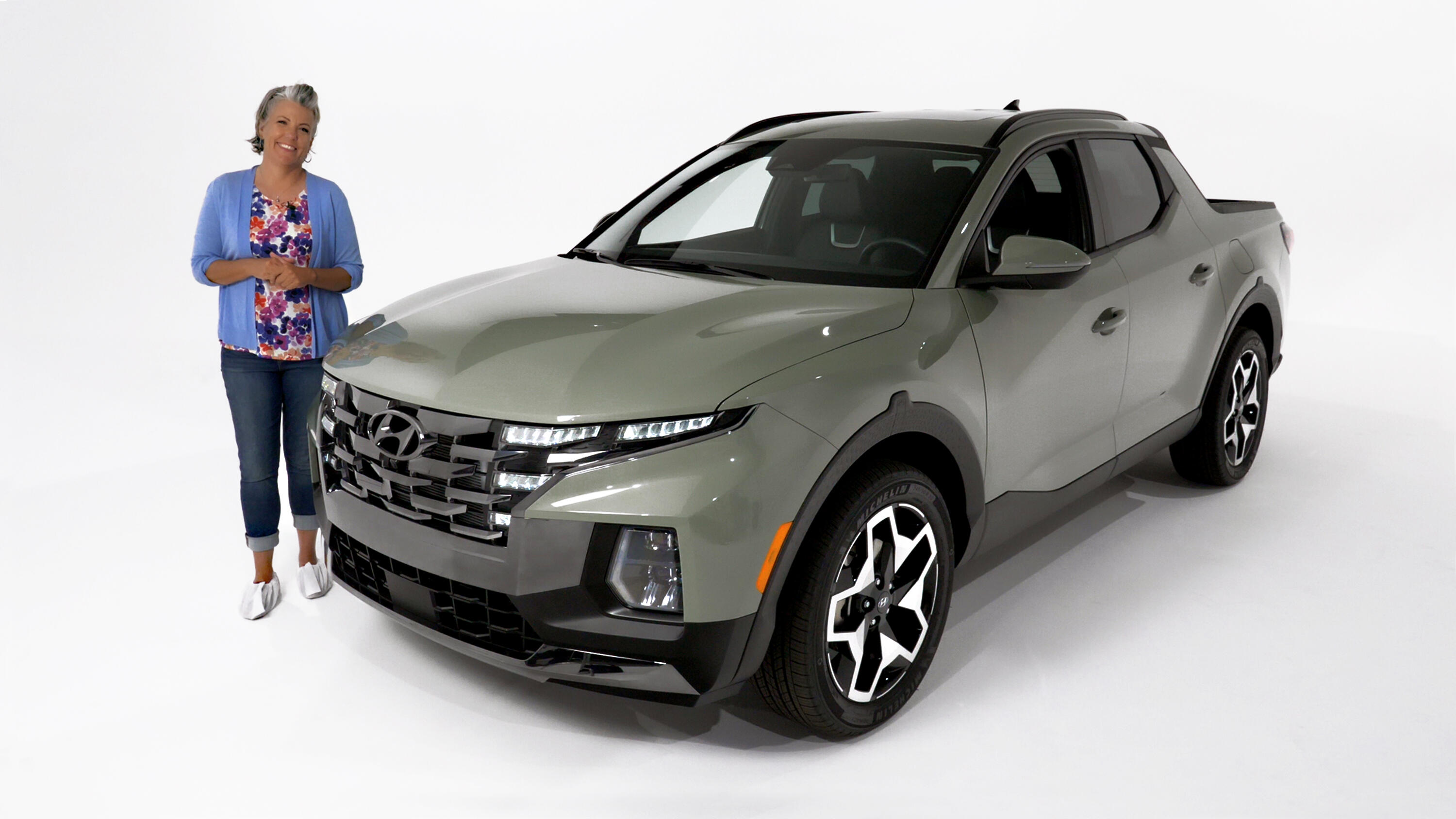 Video: 2022 Hyundai Santa Cruz is the trucklet we've always wanted