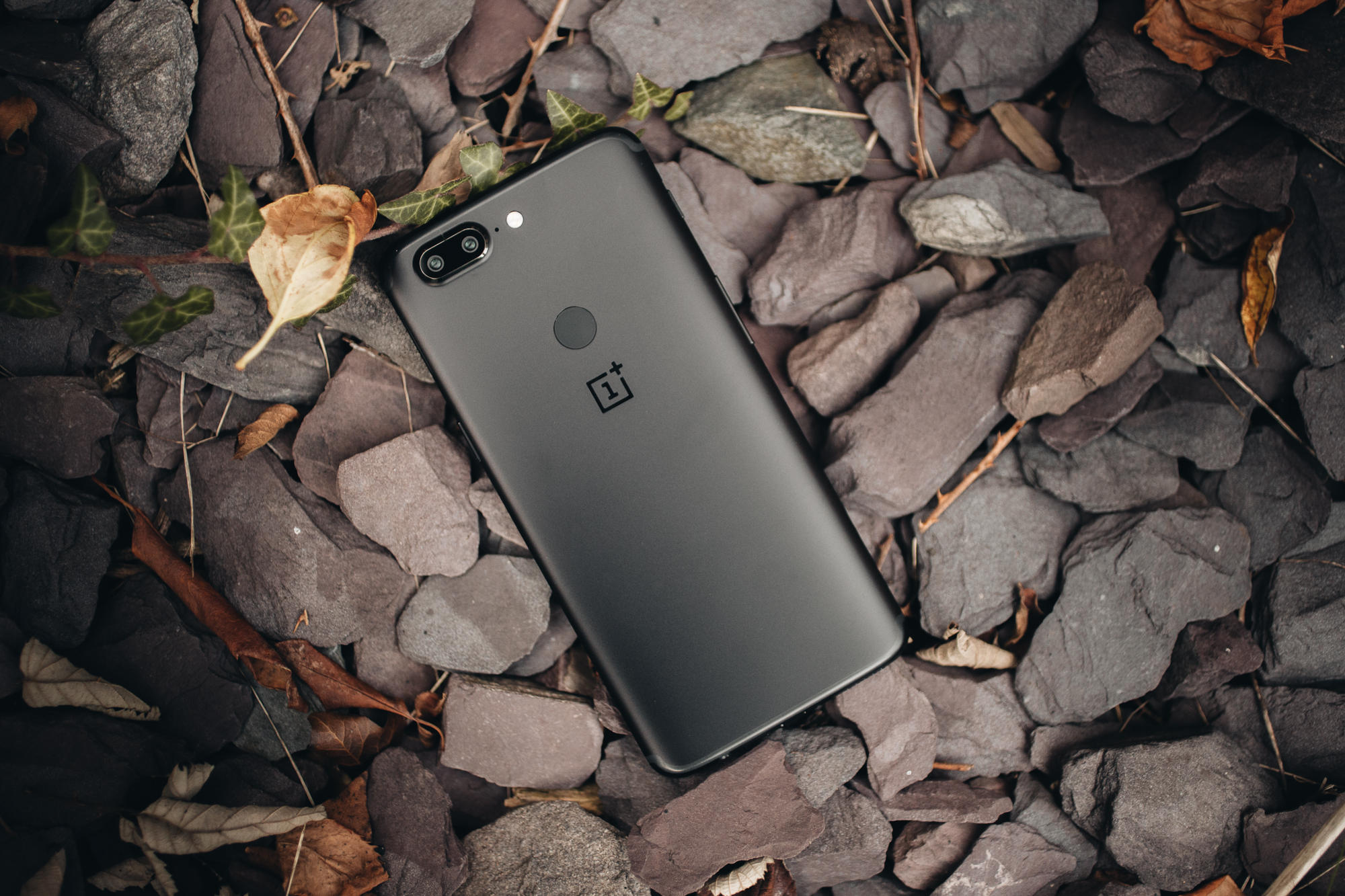 oneplus-5t-product-3
