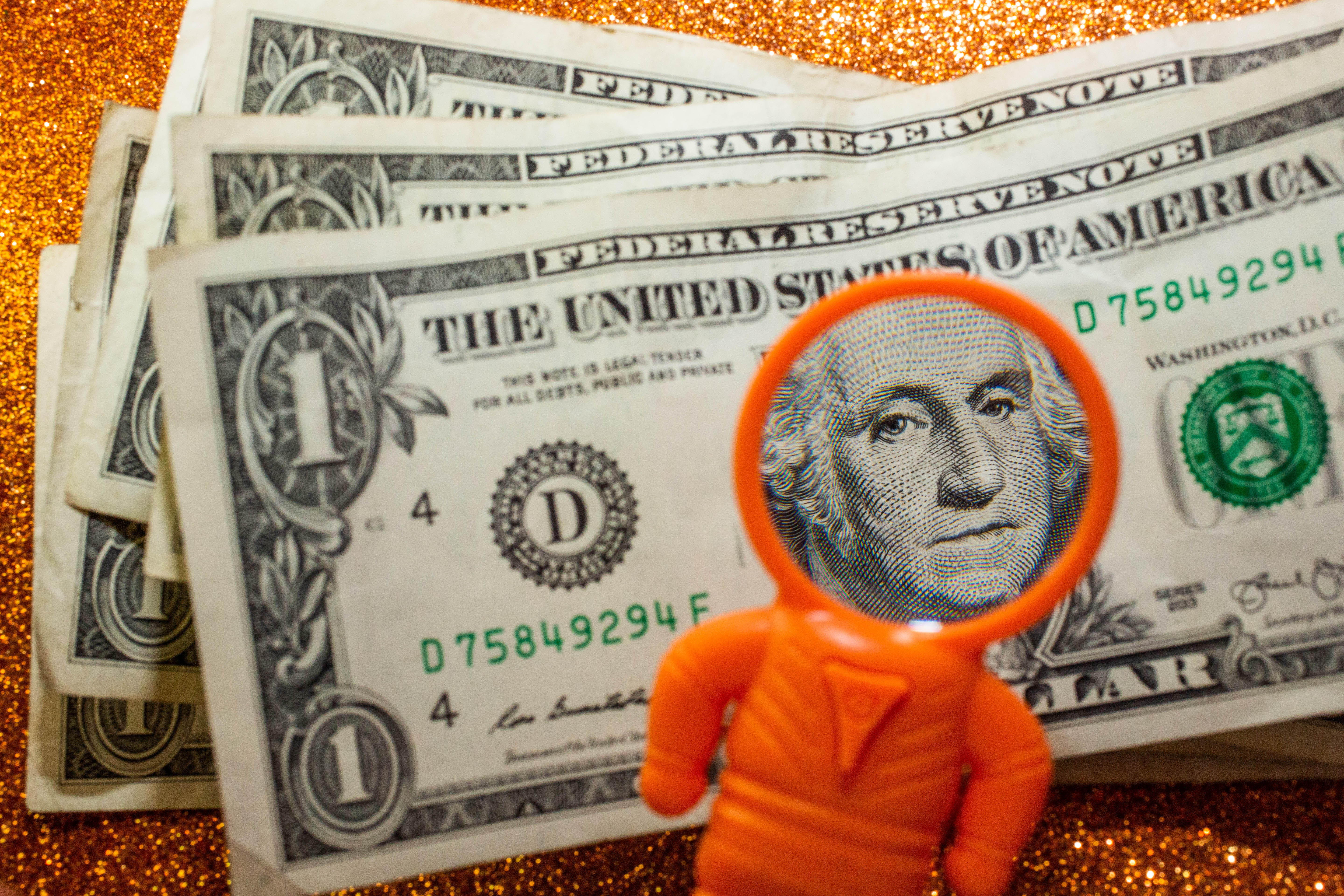 002-cash-stimulus-child-tax-credit-3600-calculator-cnet-2021-2020-federal-government-money-baby-family-pacifier-sippy