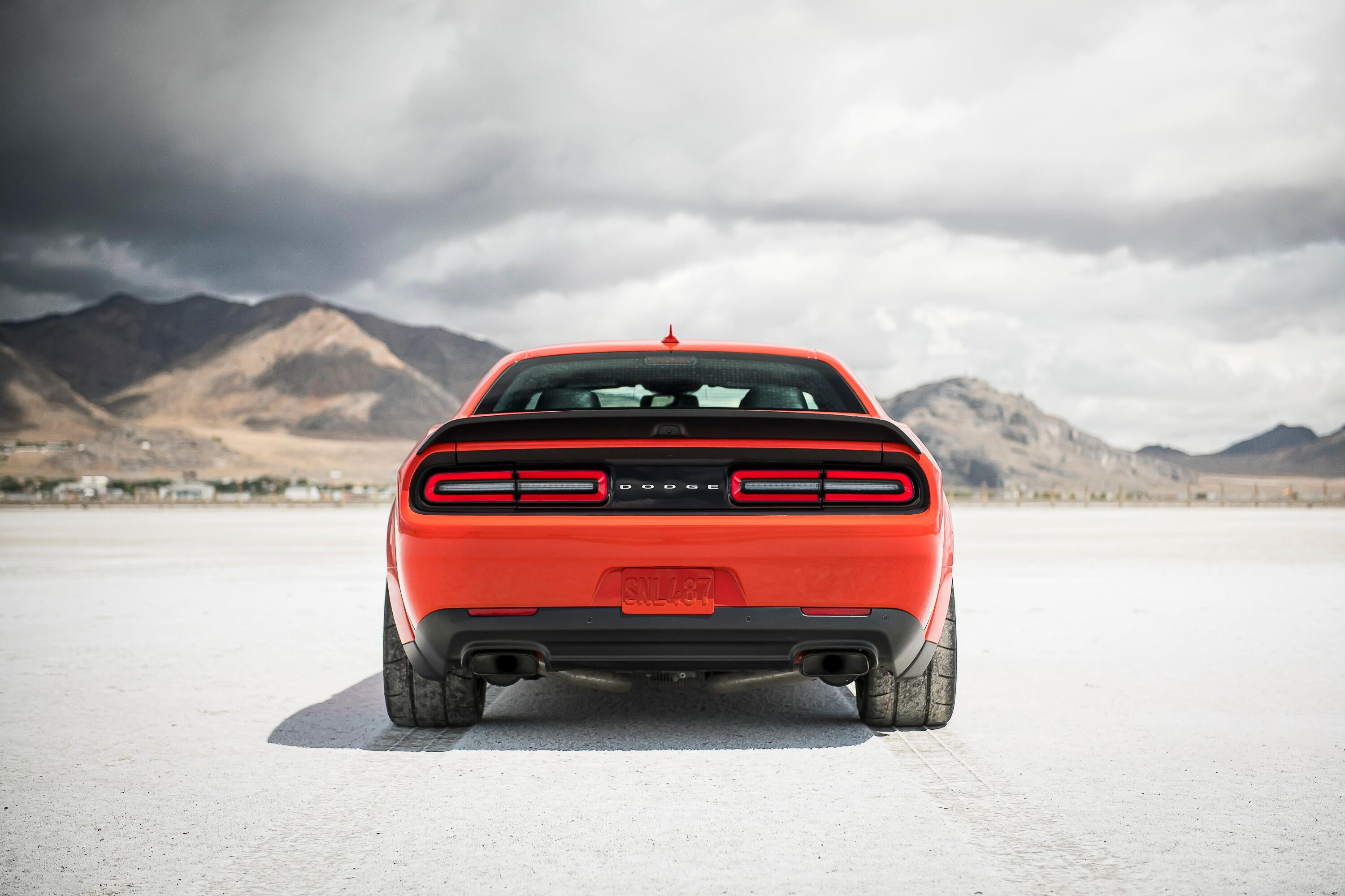2021-dodge-challenger-srt-superstock-008