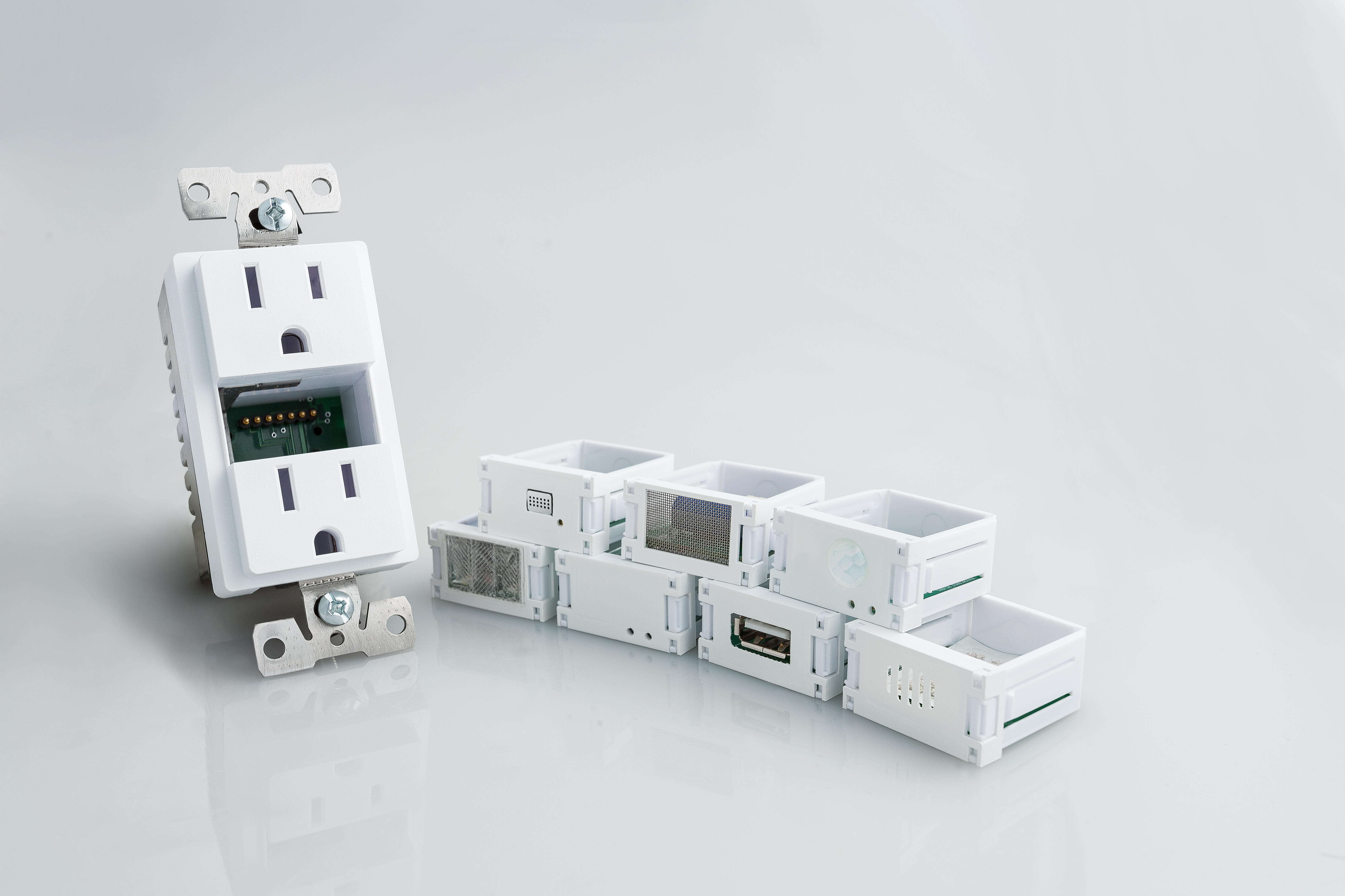 img-0268-outlet-with-inserts-1