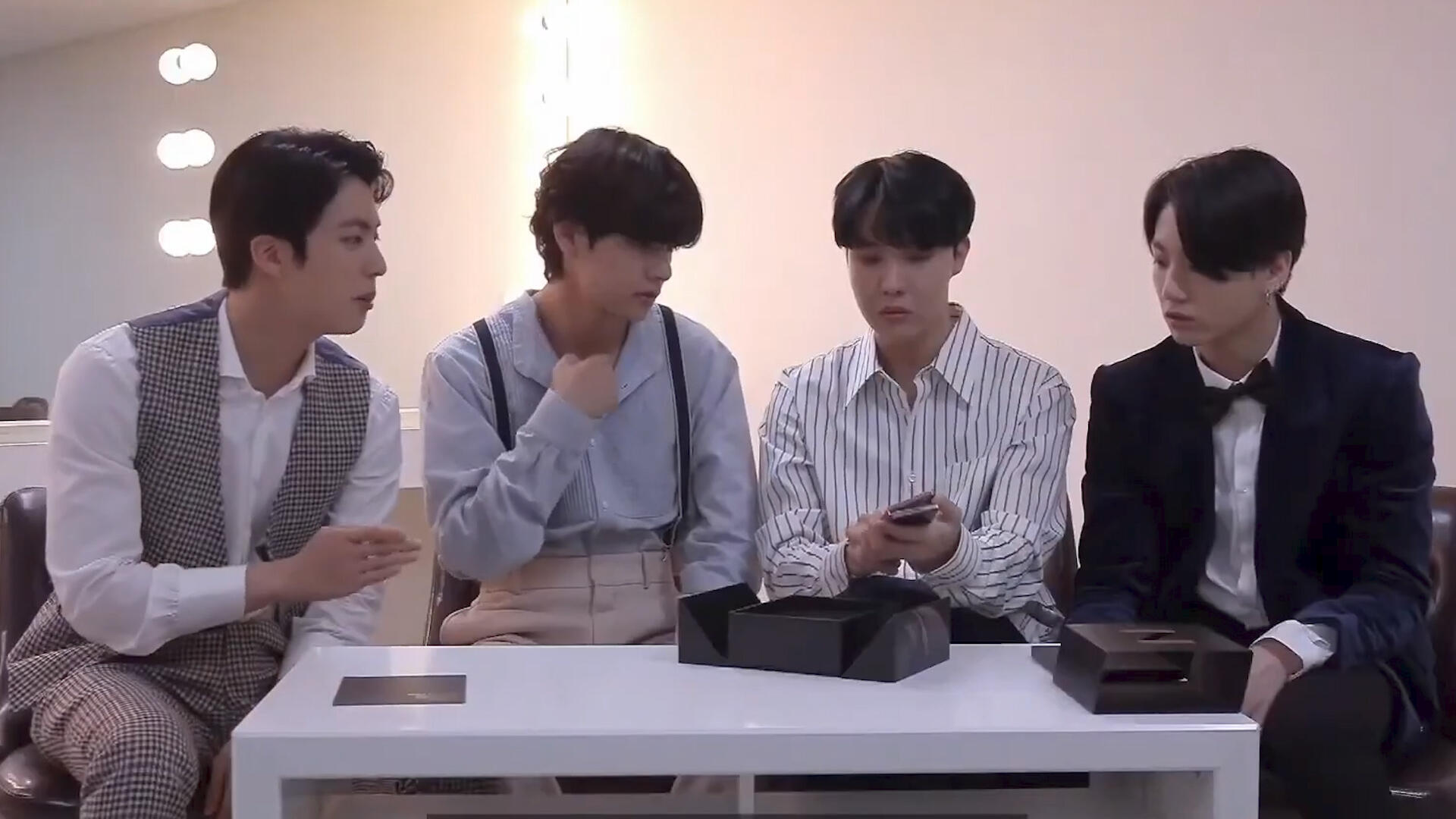 Video: Samsung and BTS introduce the new Galaxy Z Fold 2