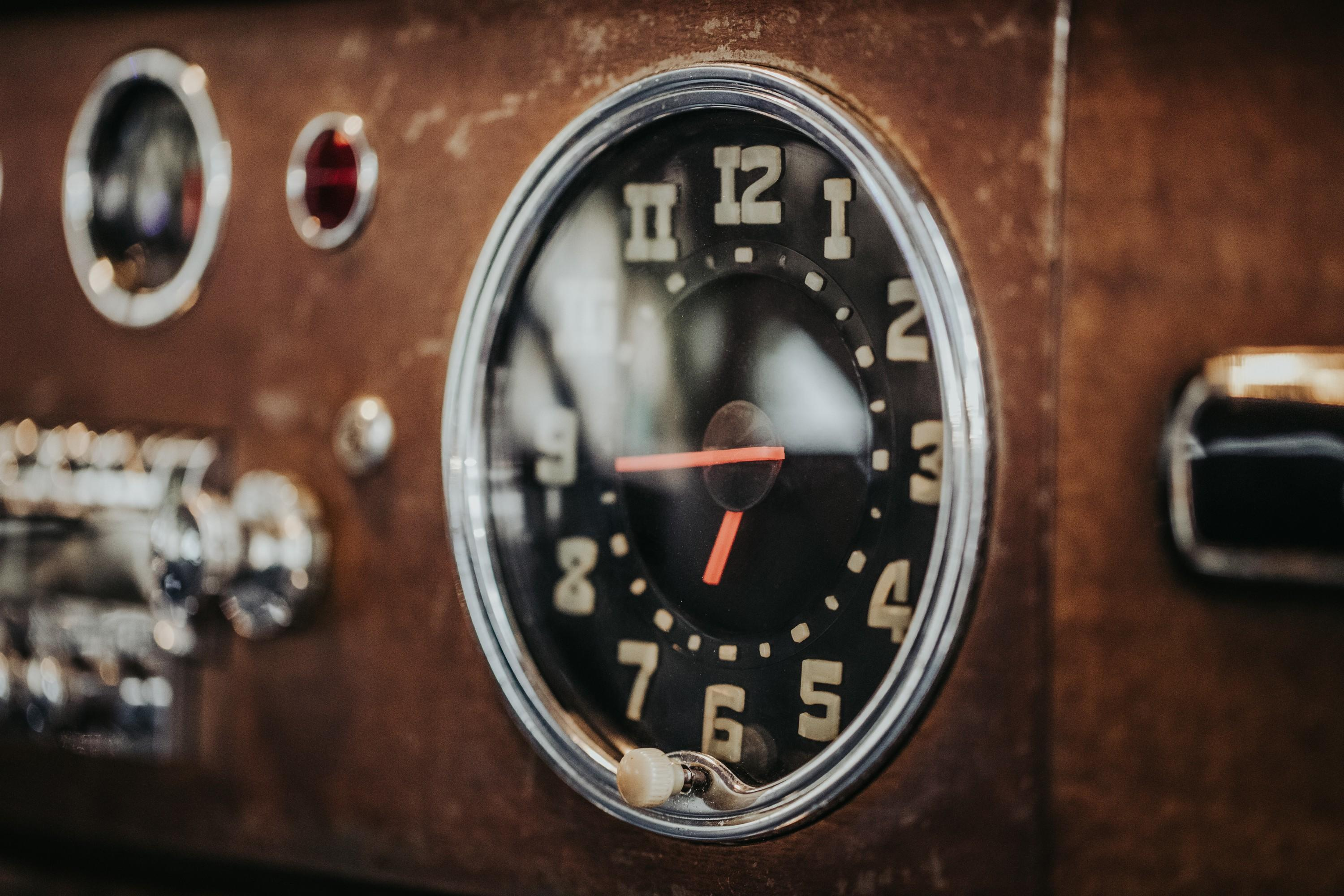 icon-hudson-derelict-clock-dtl-img-1024