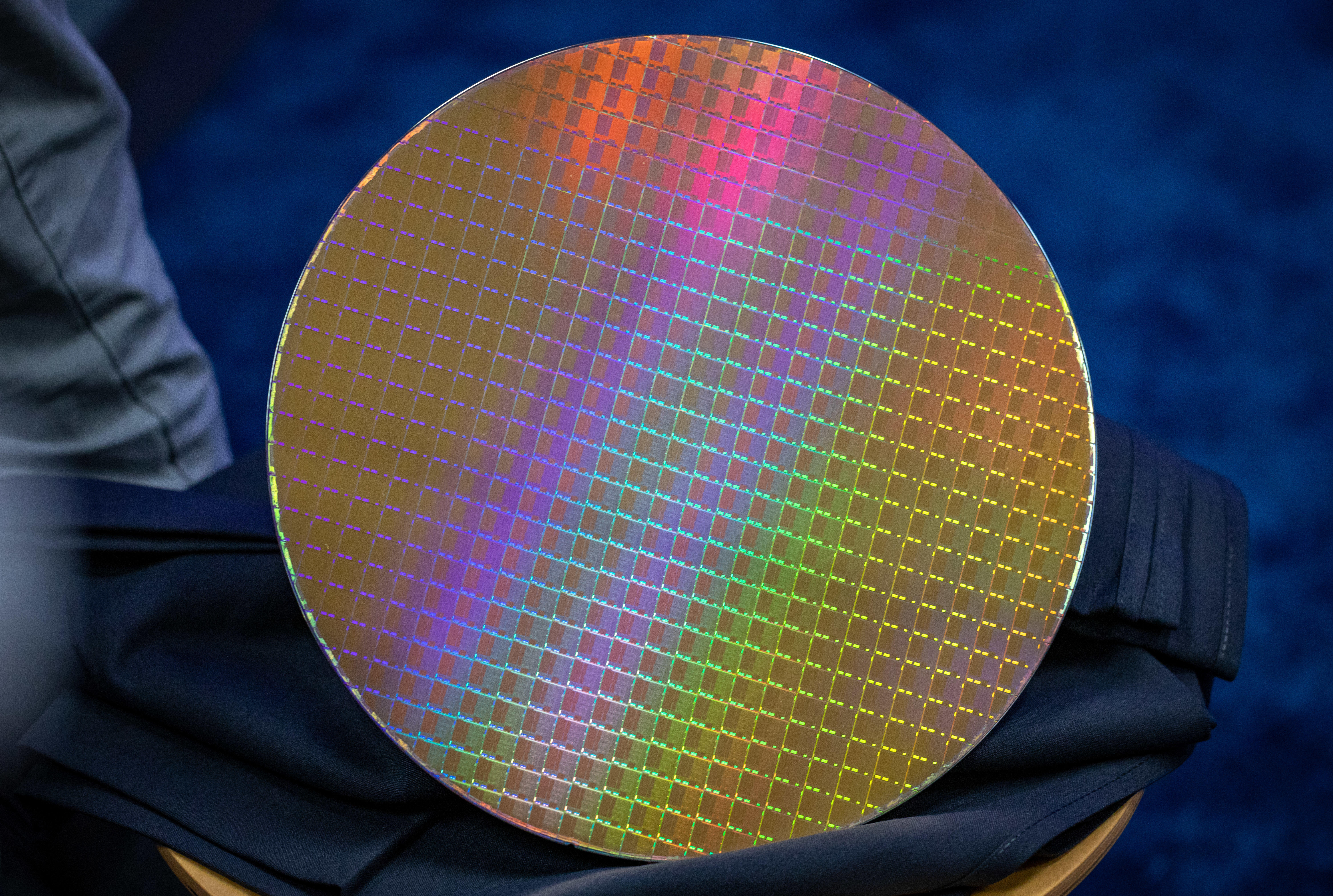 A 300mm silicon wafer covered with hundreds of Intel's new 10nm Ice Lake processors.