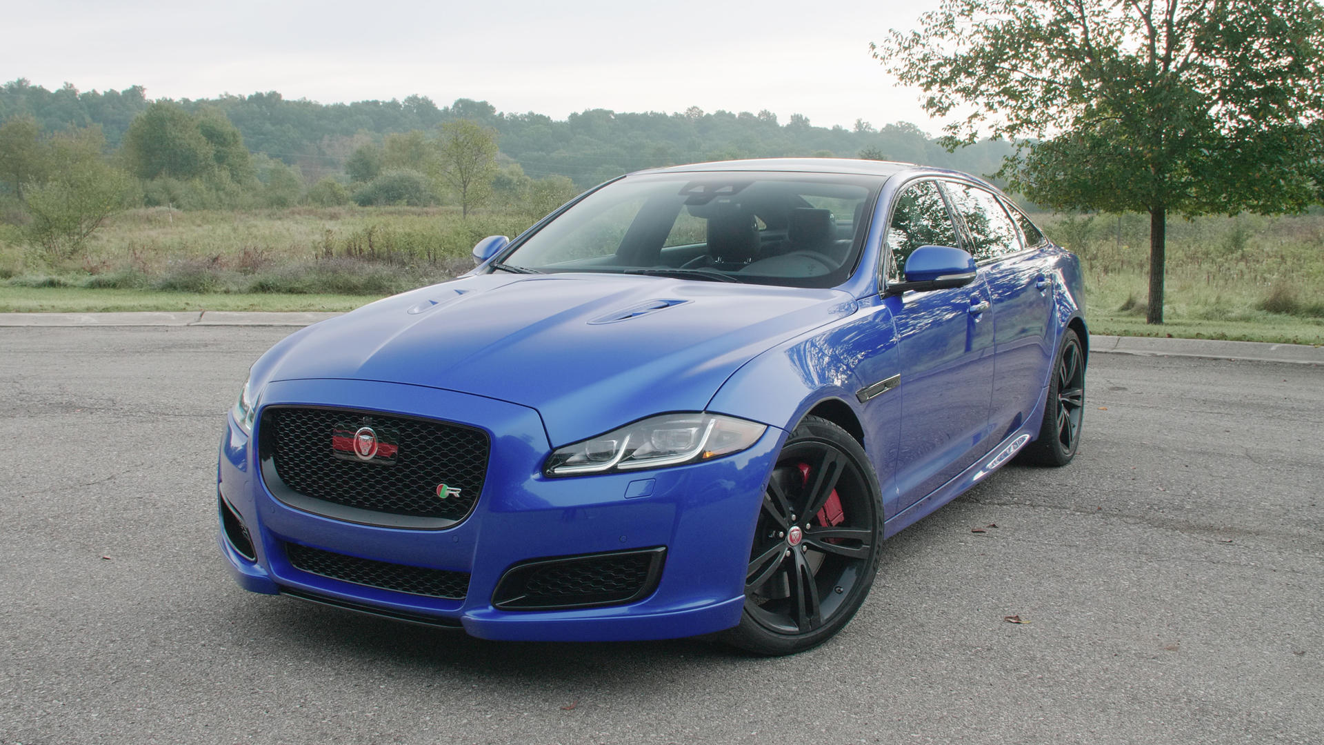 Video: 5 things you need to know about the 2019 Jaguar XJR575