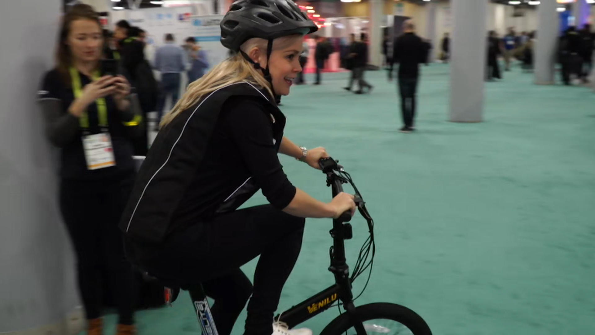 Video: This smart cycle vest cushioned my fall at CES (but not my dignity)