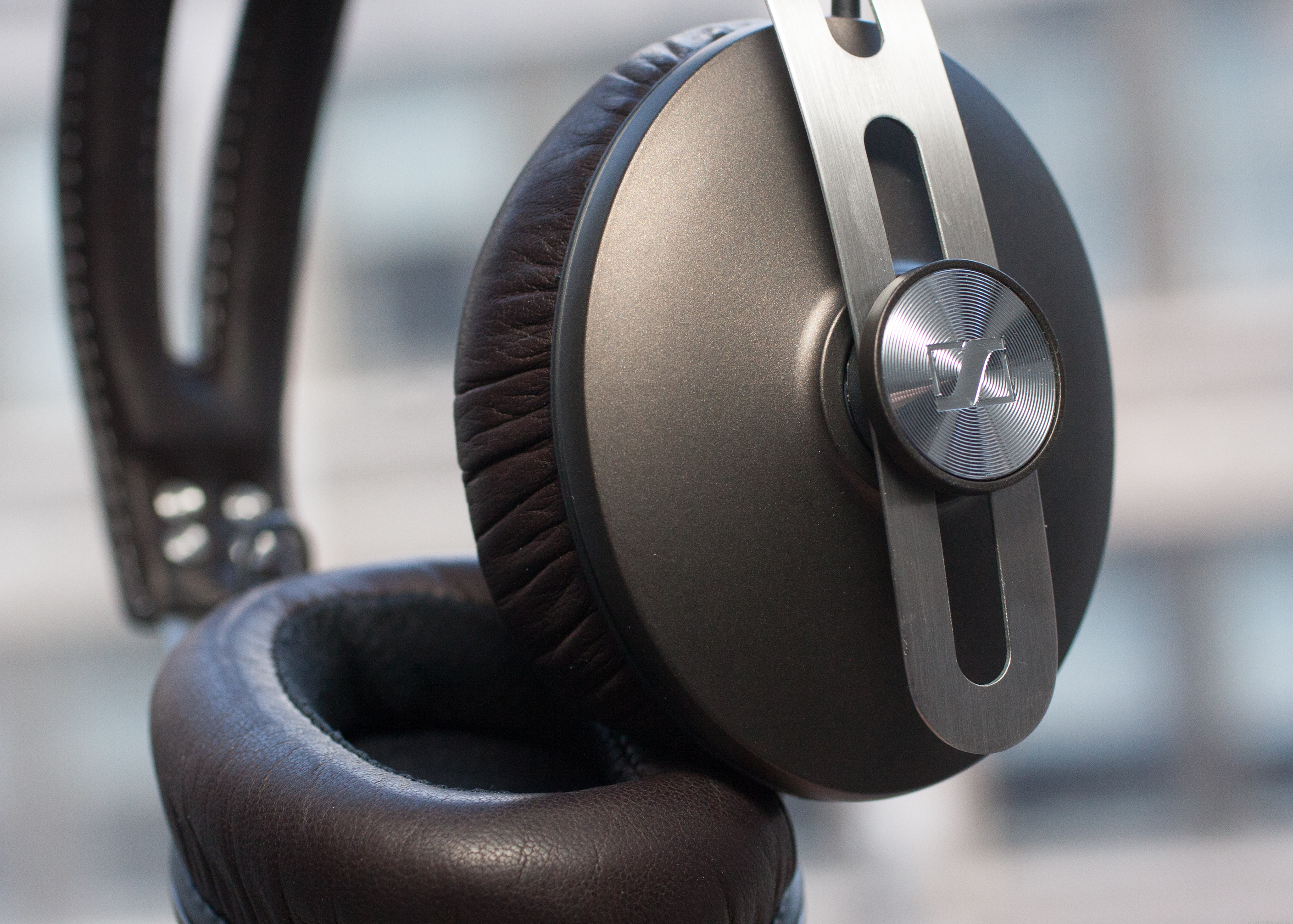 Sennheiser Momentum Over Ear (Black)