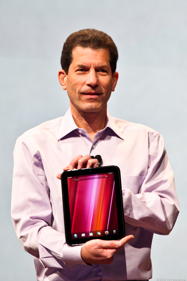 Jon Rubinstein introduces the HP TouchPad, a WebOS-based tablet.