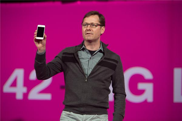 T-Mobile gets the iPhone