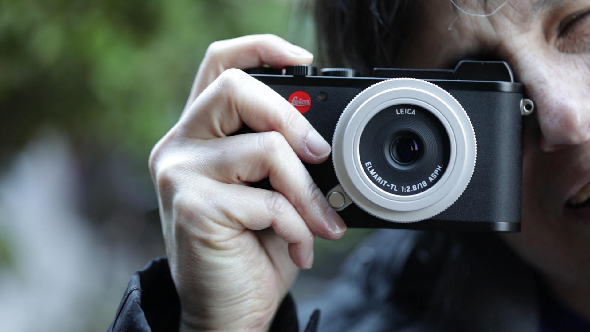 Video: Leica CL mirrorless has a typically unconventional design