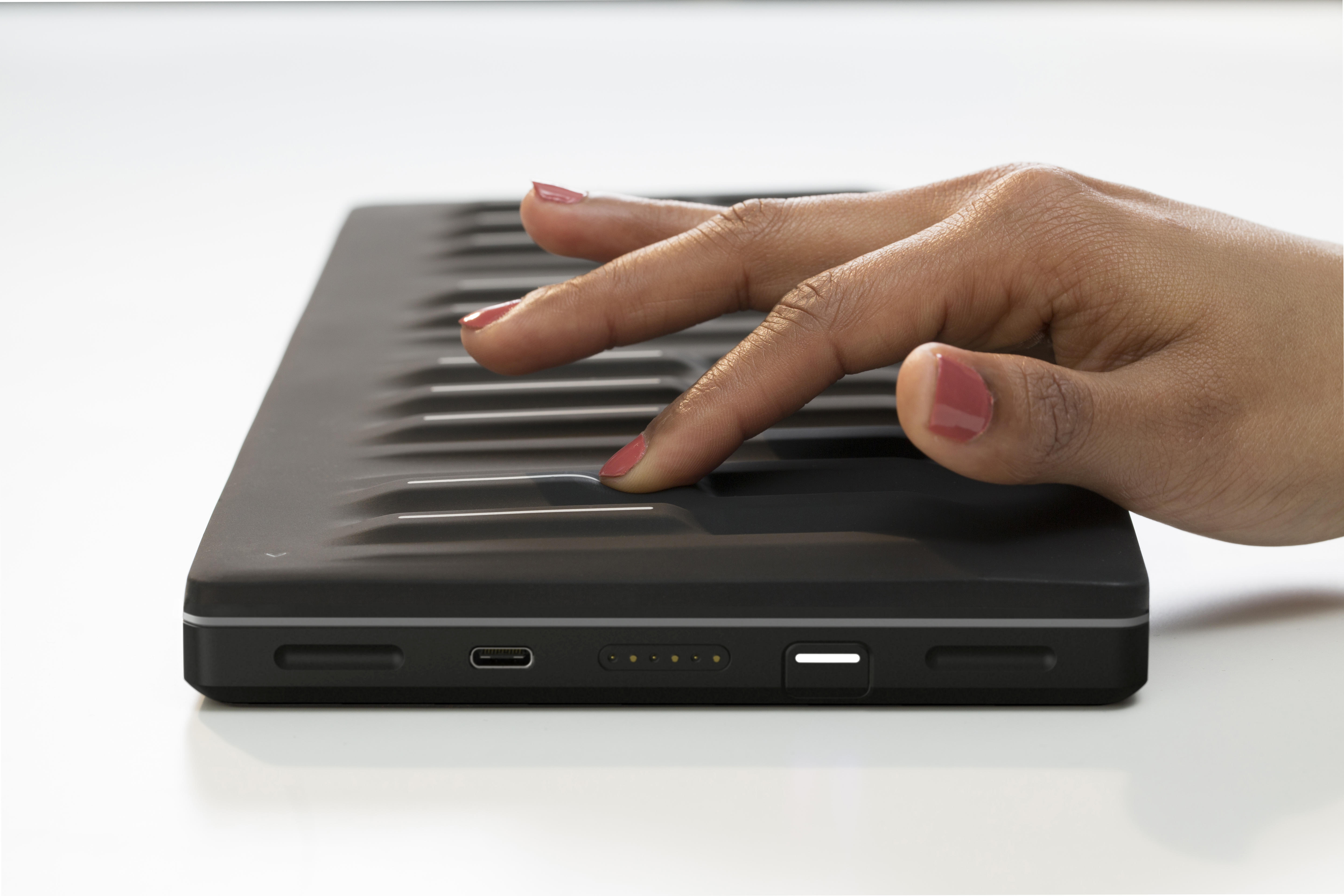 roli-seaboard-block-and-touch-block-05-high-res
