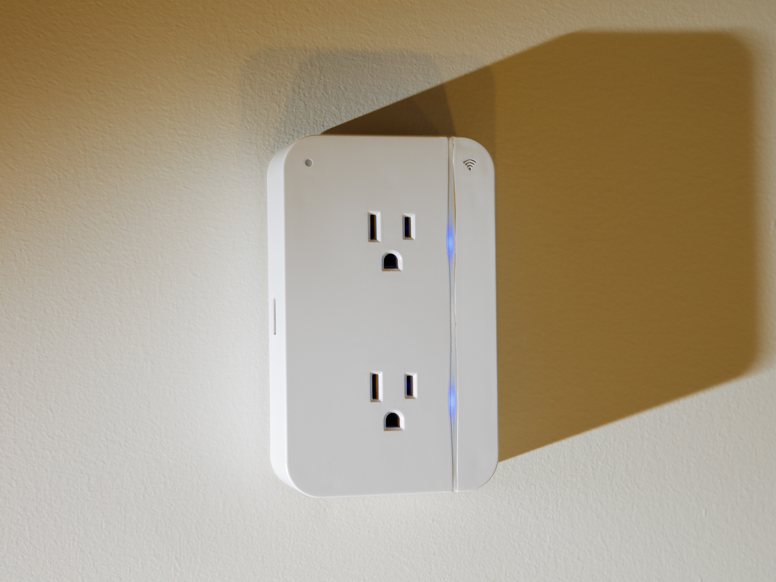 grid-connect-connect-sense-smart-outlet-product-photos-6.jpg