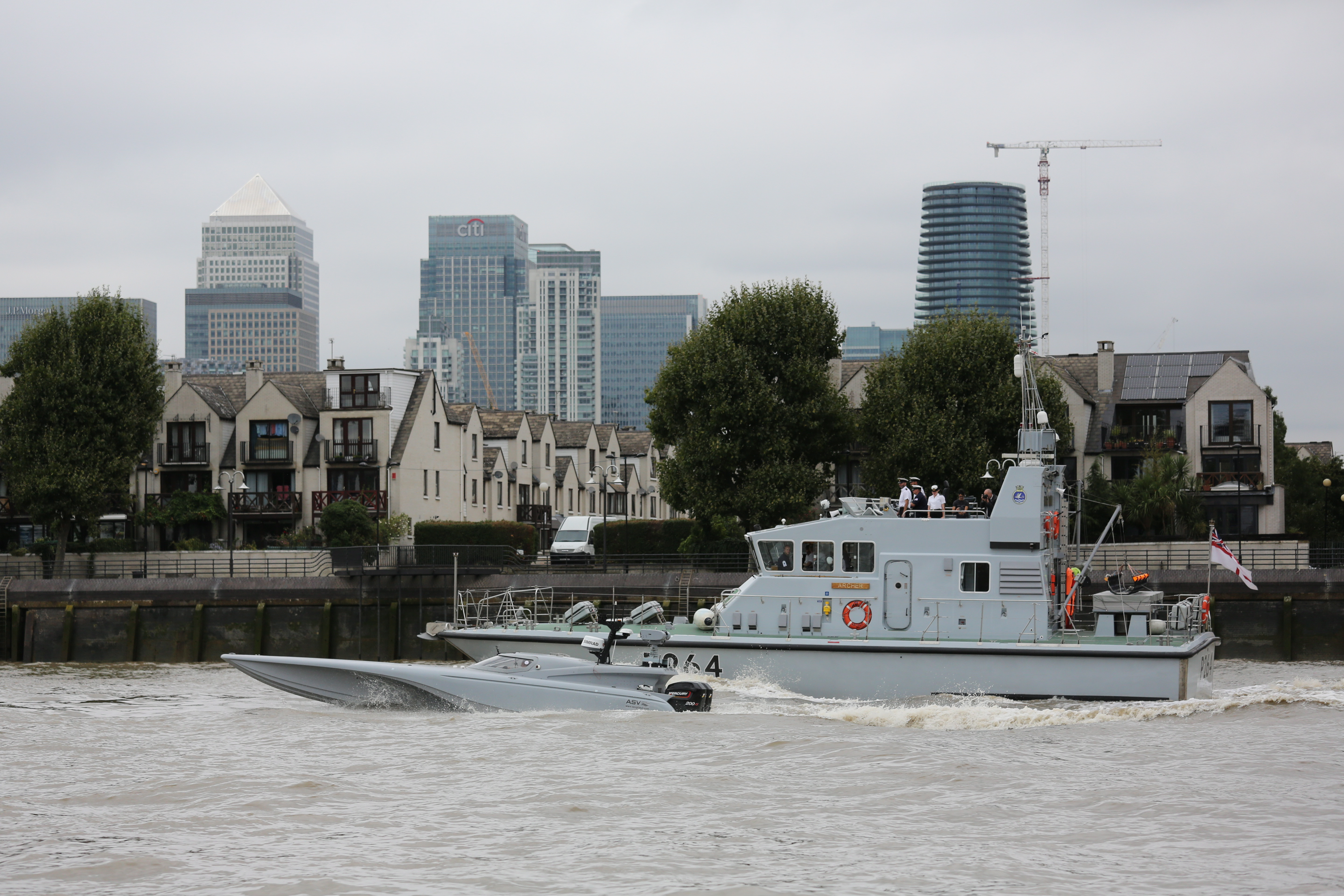 mod-mast-royal-navy-drone-boat-tower-bridge1.jpg