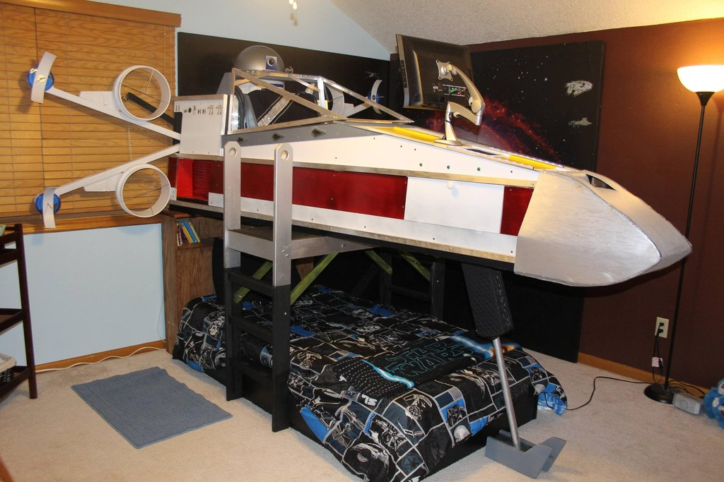 X-wing fighter bed