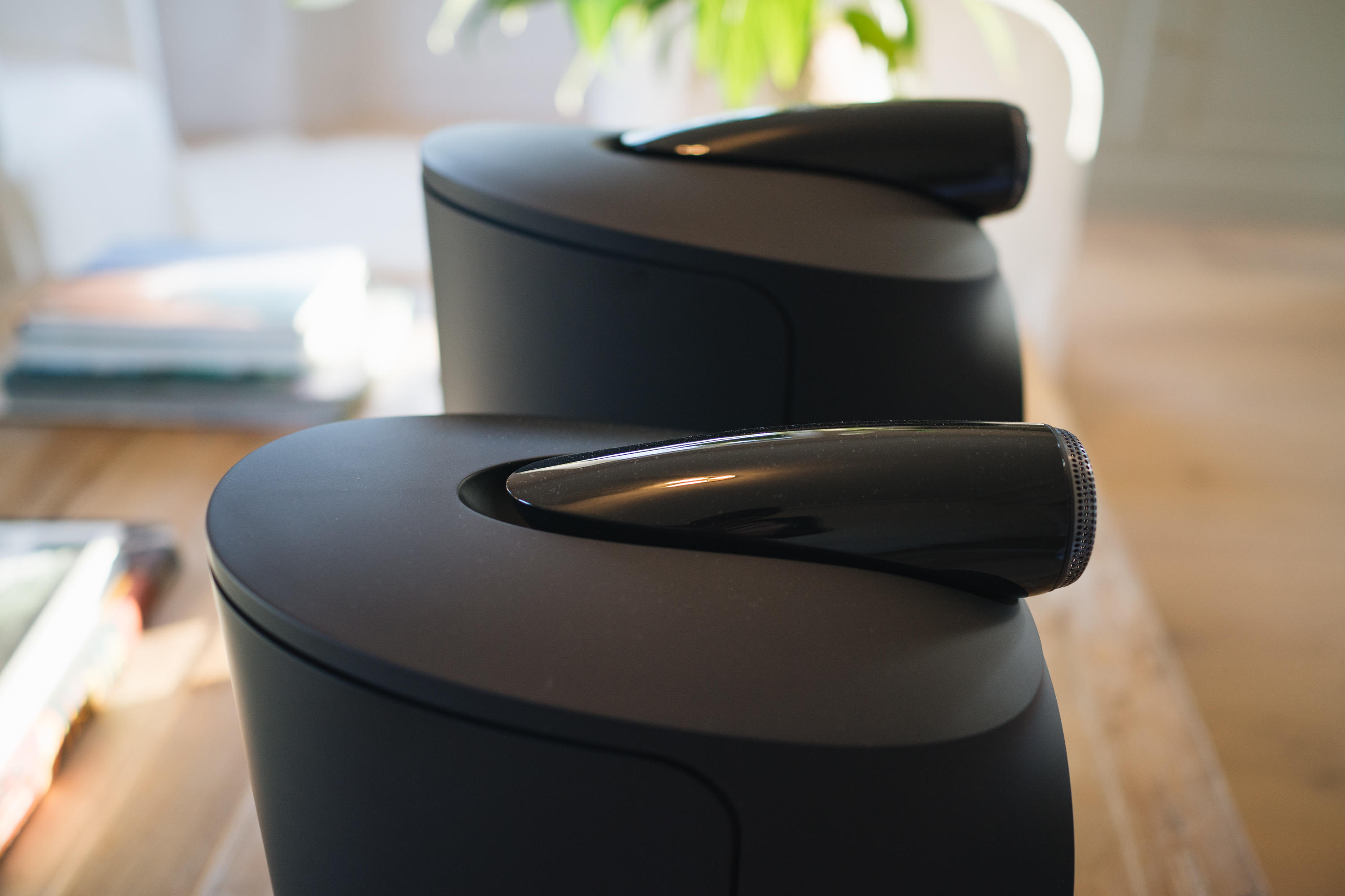 Bowers & Wilkins Formation Duo