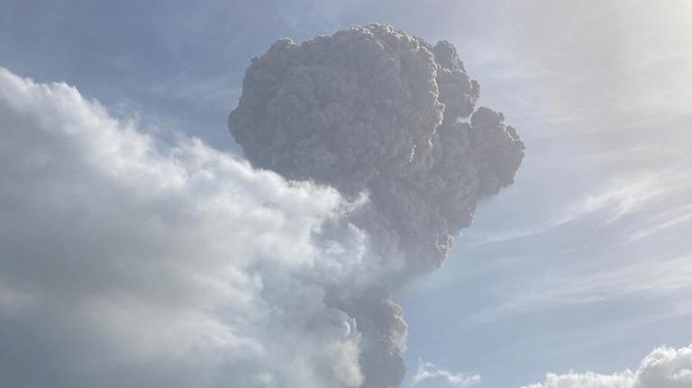 St. Vincent island volcano erupts with massive ash cloud in the Caribbean     - CNET