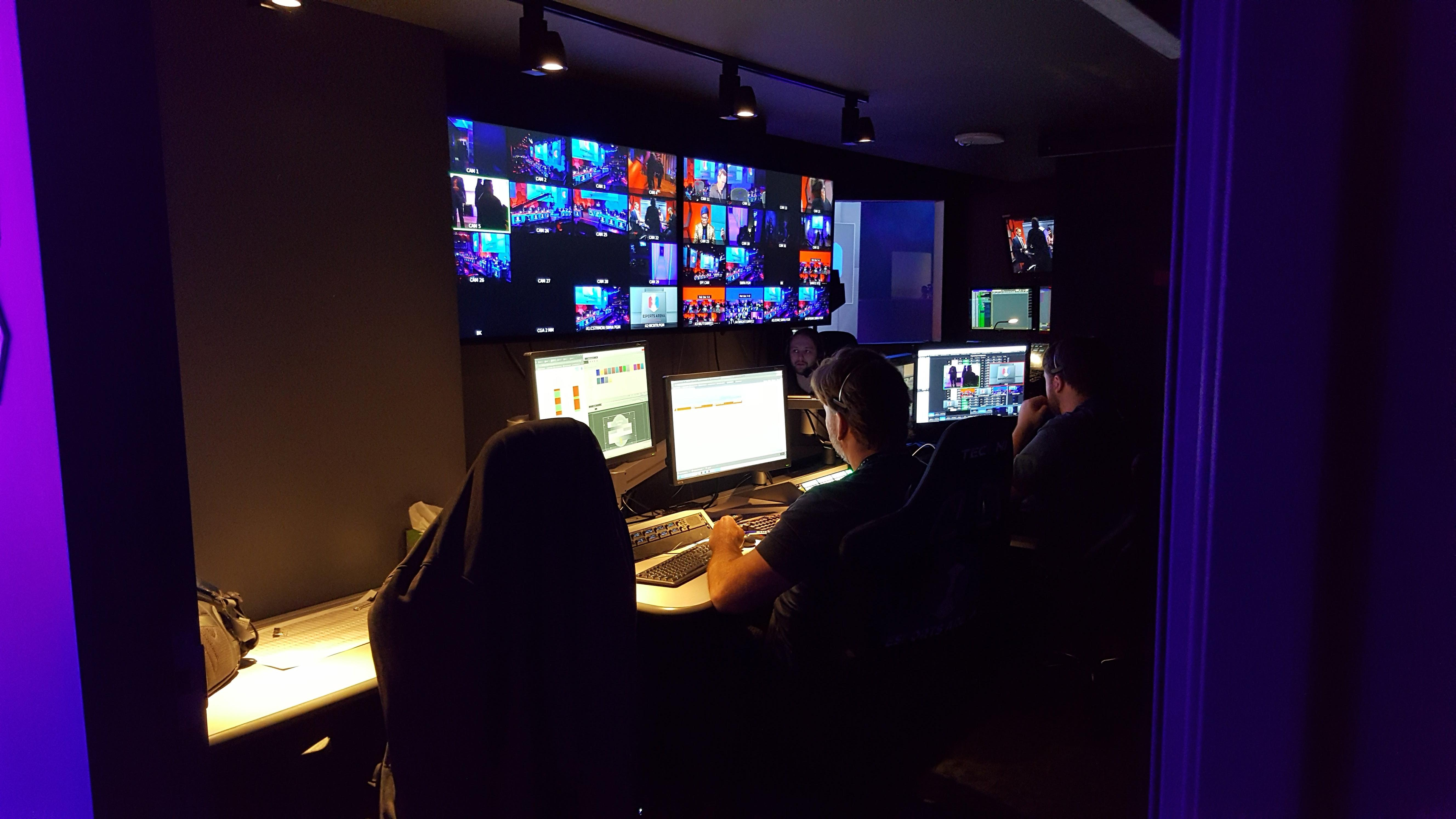 esports-arena-production-mike-sorrentino-cnet