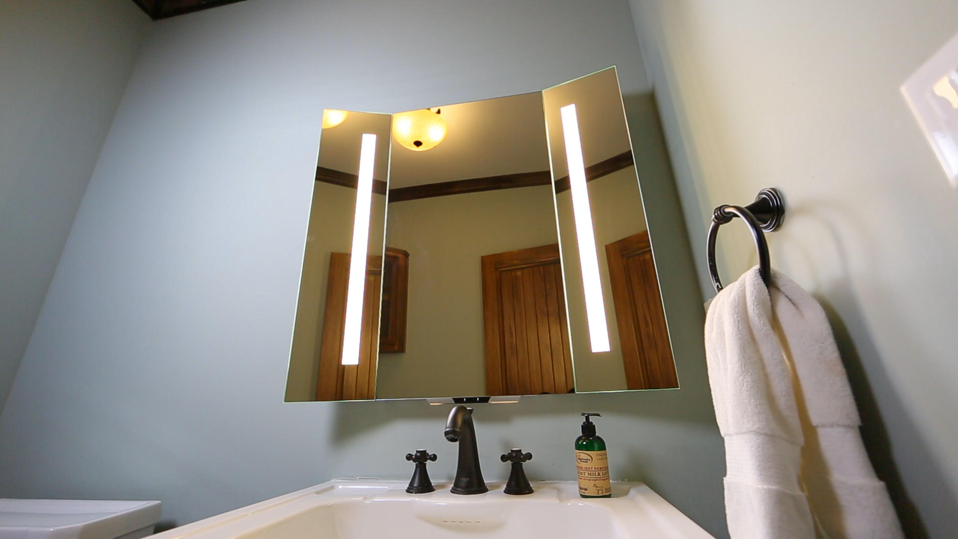 Alexa Steps Into The Bathroom With This Smart Mirror Cnet