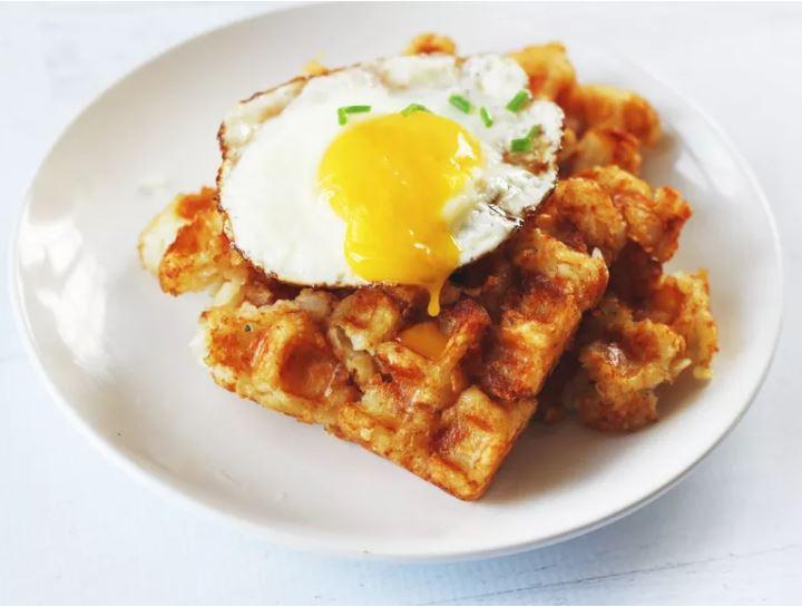 tater-tots-with-egg