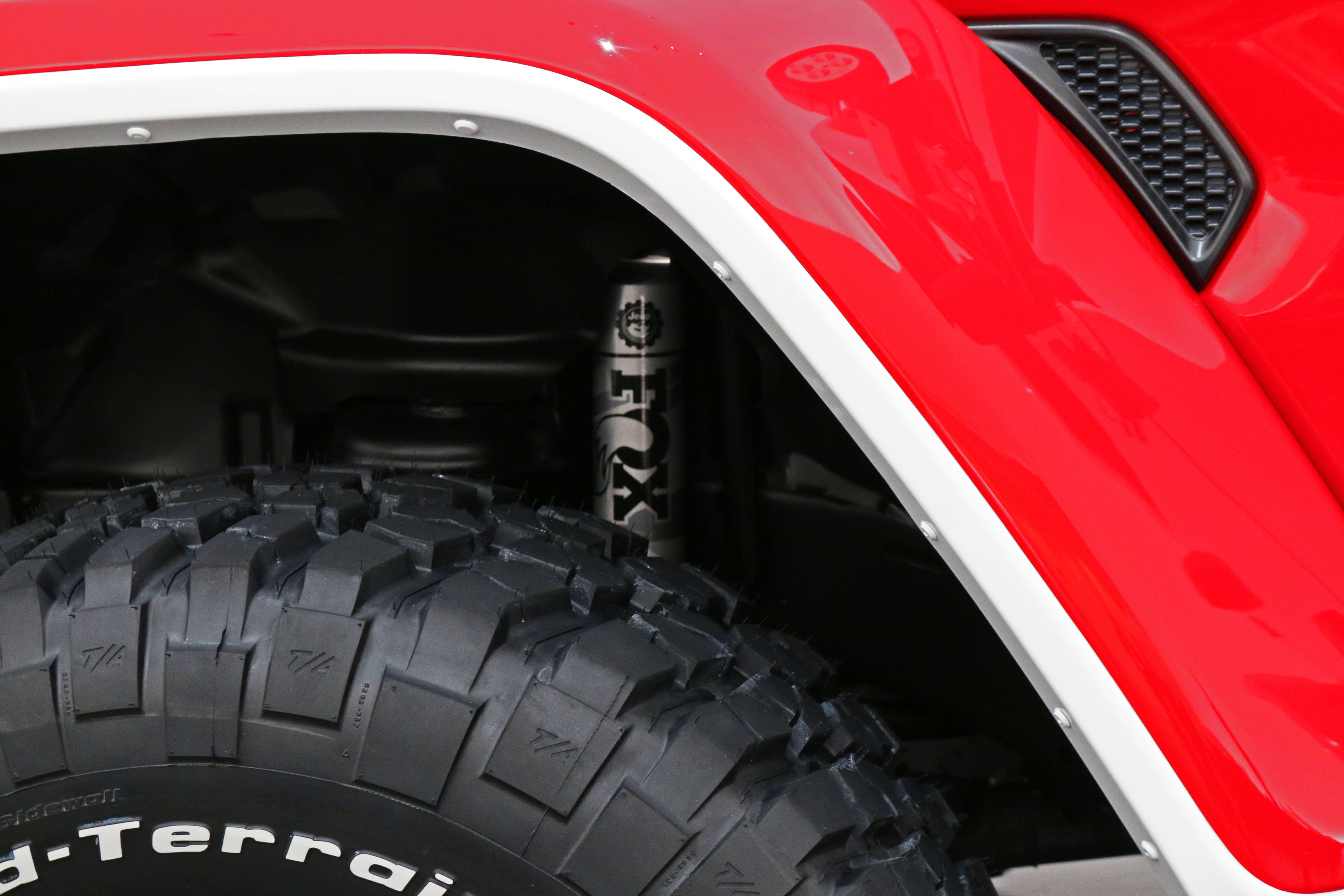 jeep-jeepster-concept-35