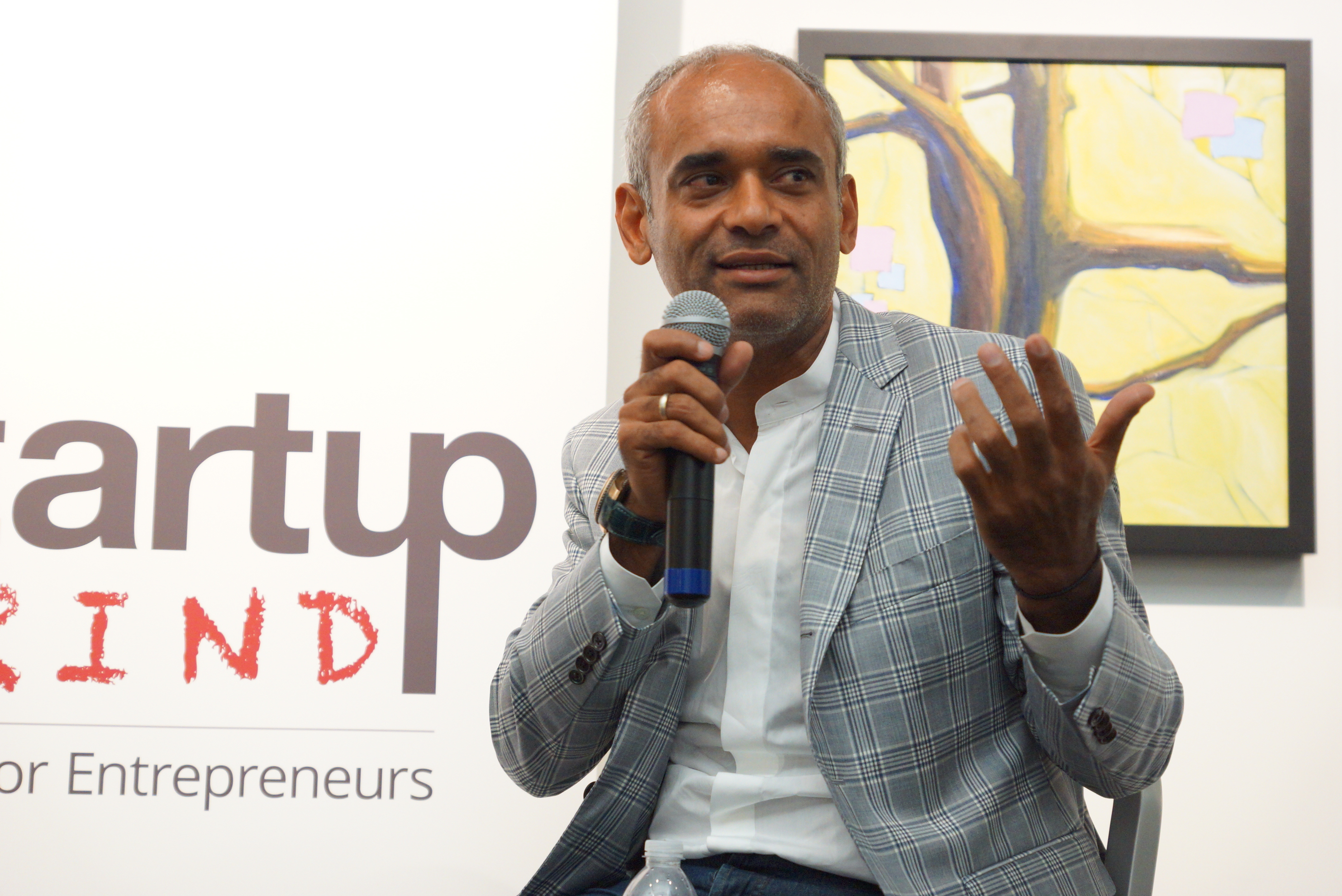 Aereo's CEO Chet Kanojia talking to a group of start-ups in New York