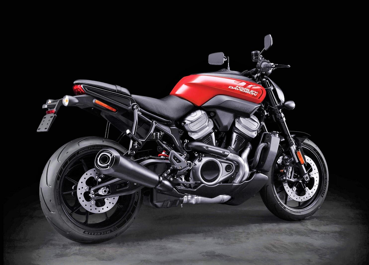 <p>The Bronx was looking like the sportiest Harley the would had seen since Buell, but now it's been delayed indefinitely.</p>