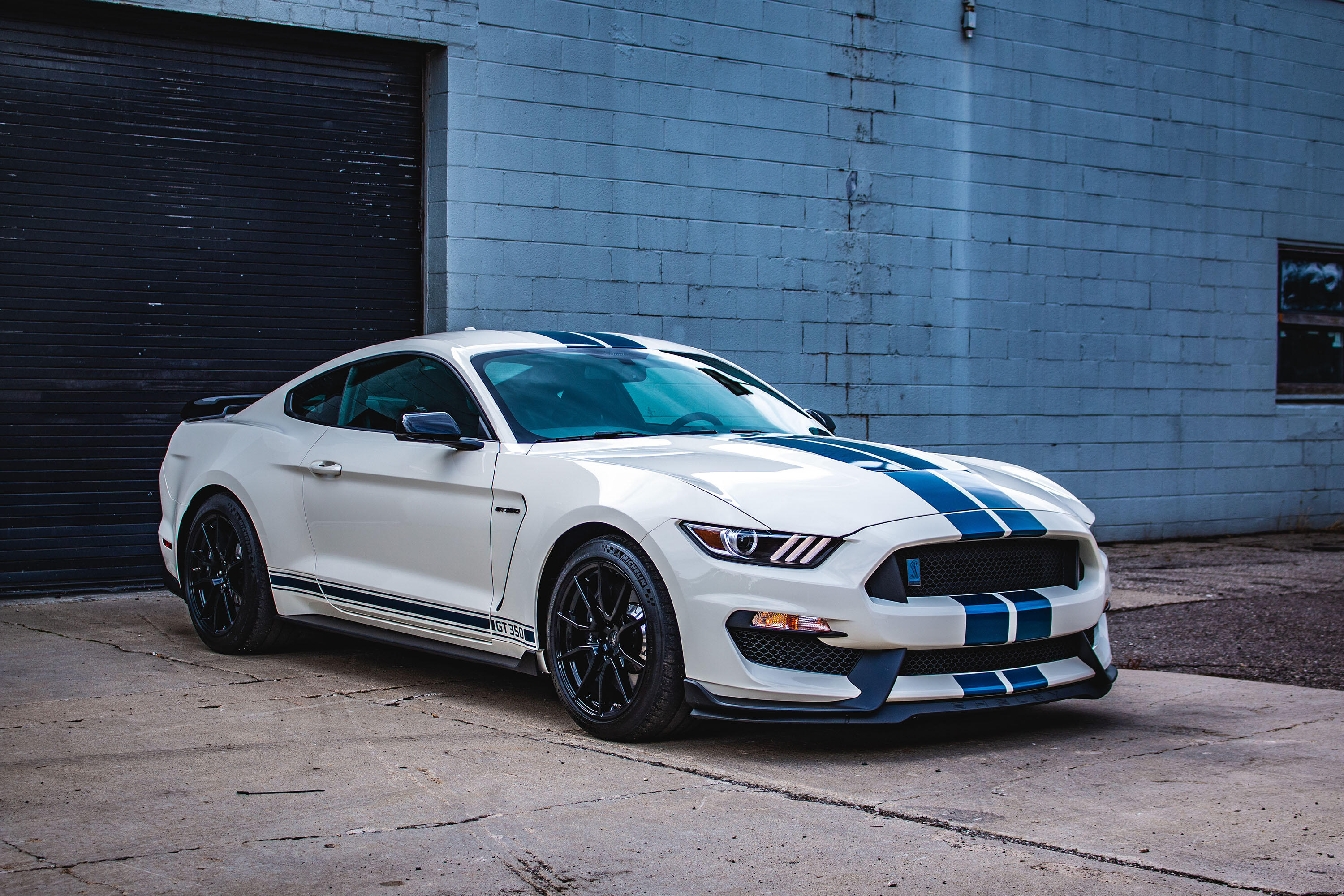 2020-ford-mustang-shelby-gt350-heritage-edition-10