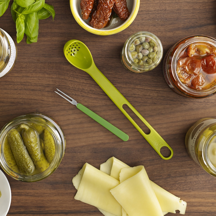 Find your favorite finger foods fast and easy with the Joseph Joseph Scoop & Pick.