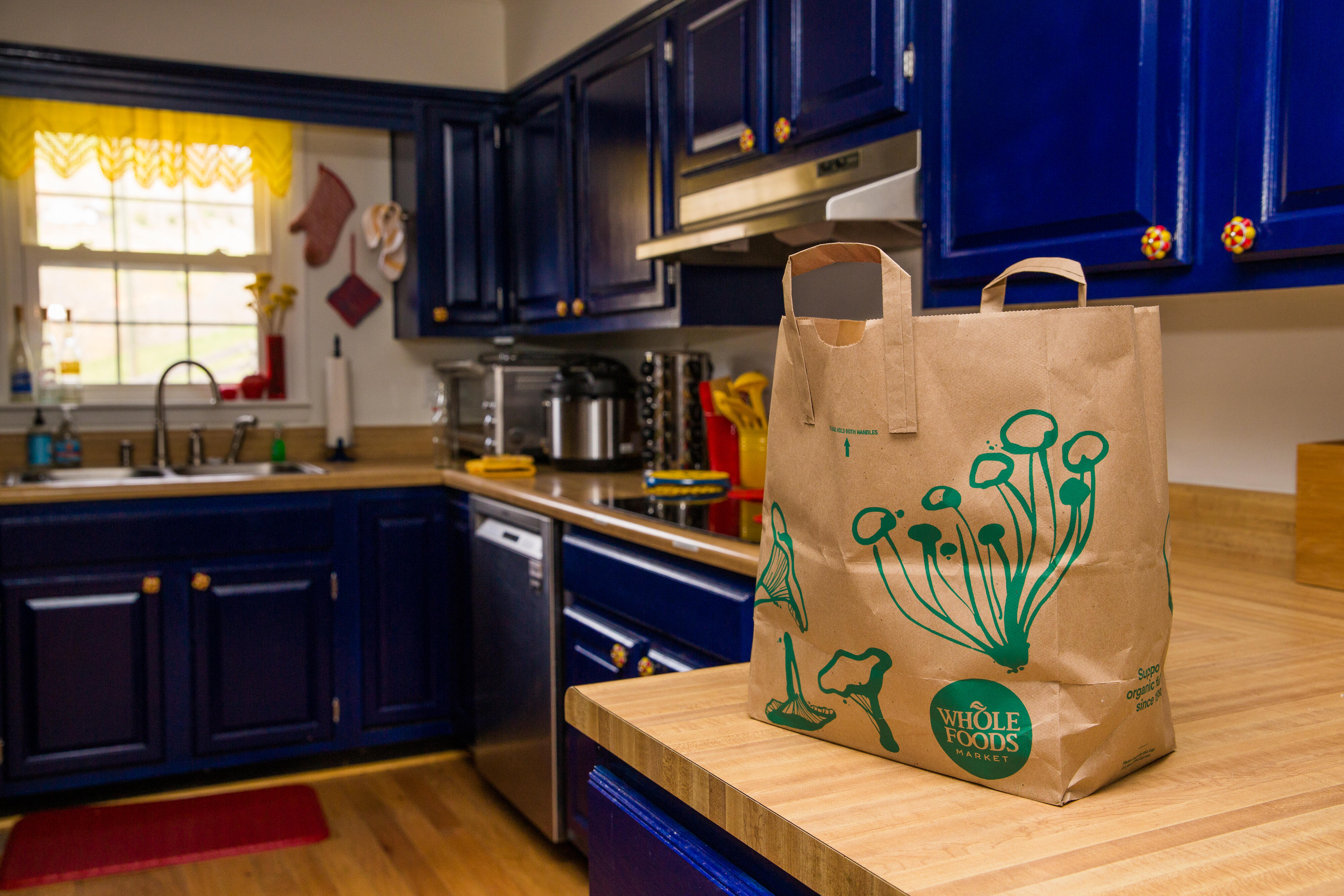 09-bag-of-groceries-at-home-whole-foods-paper