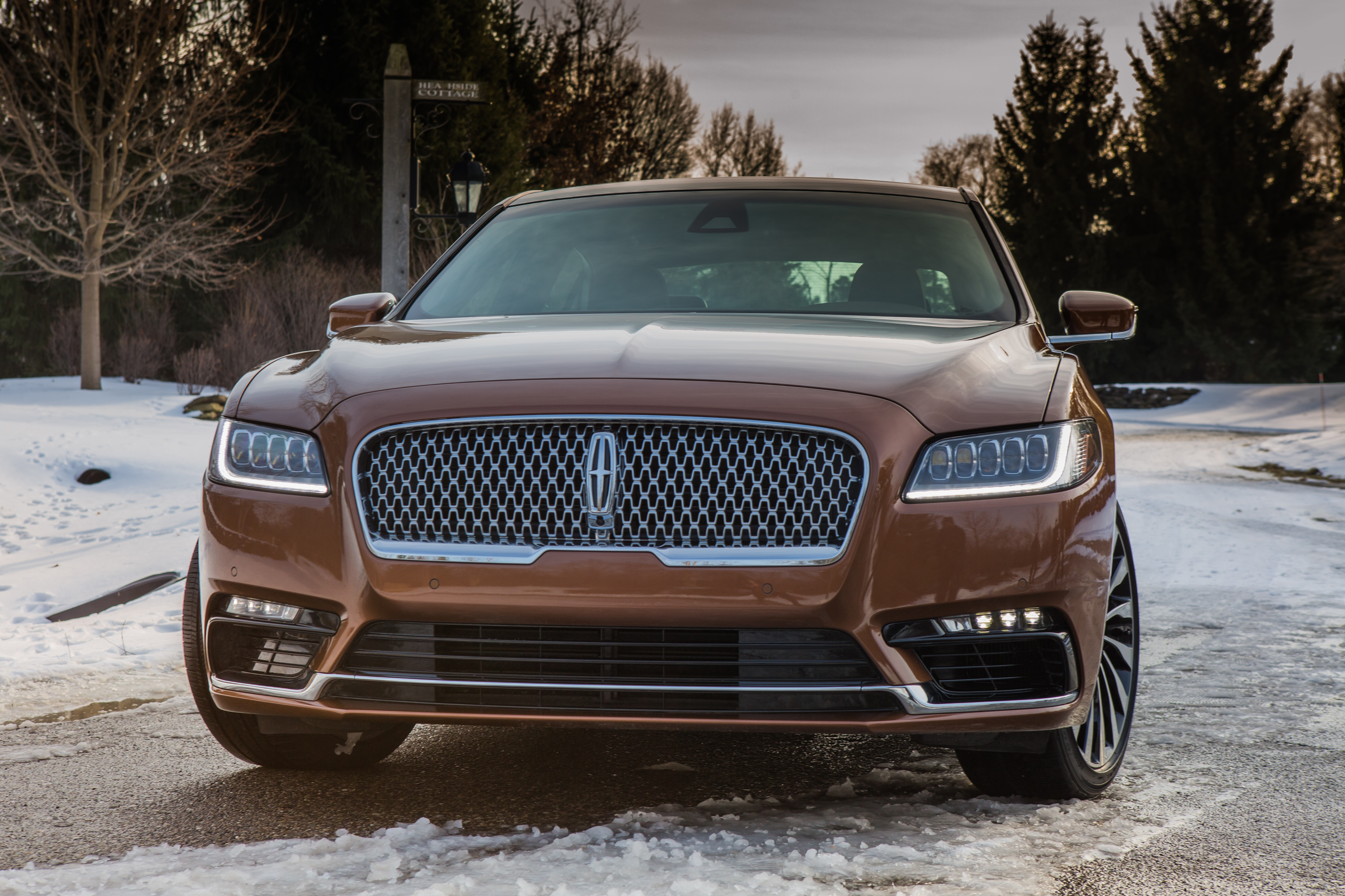 2017 Lincoln Continental front end
