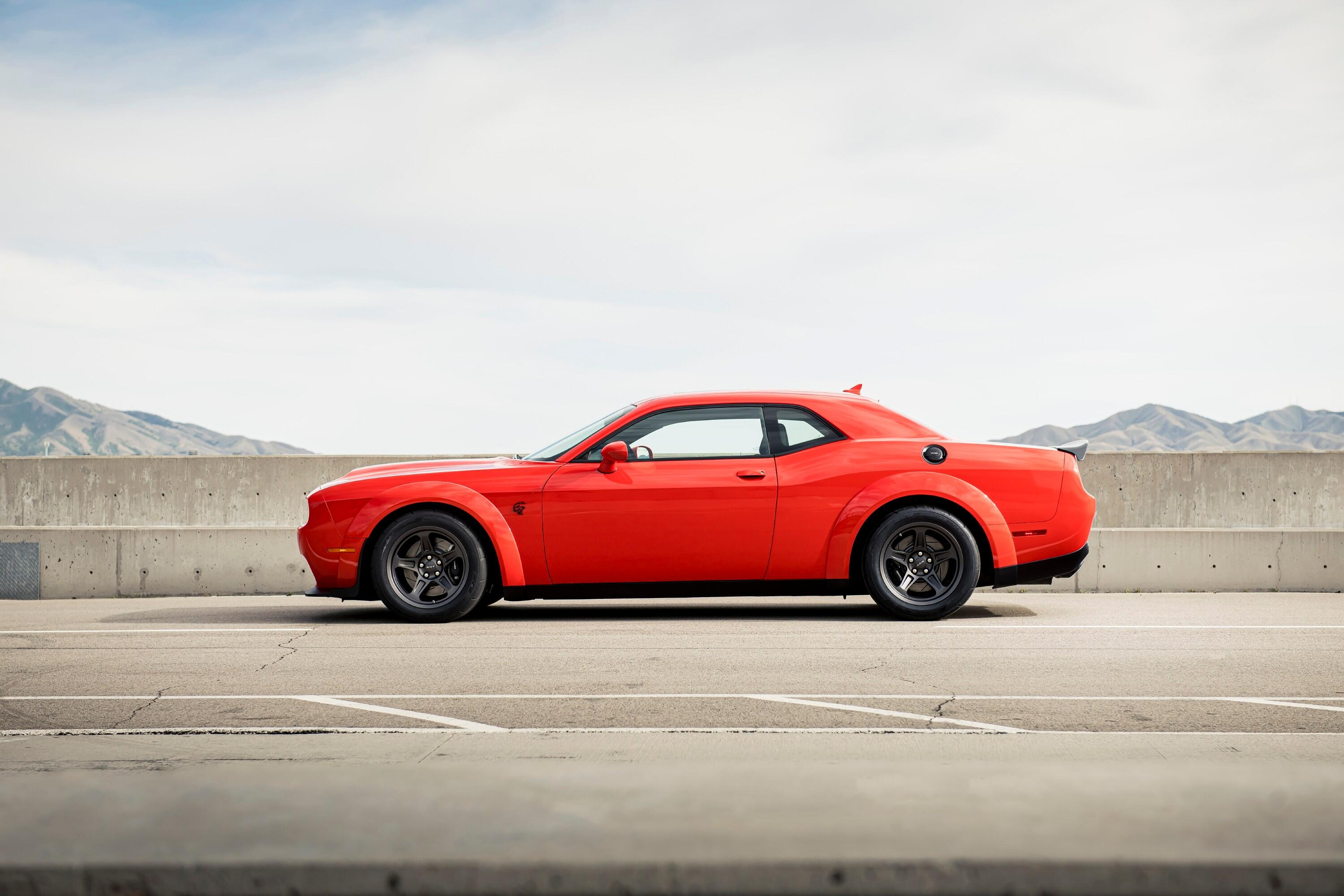 2021-dodge-challenger-srt-superstock-004