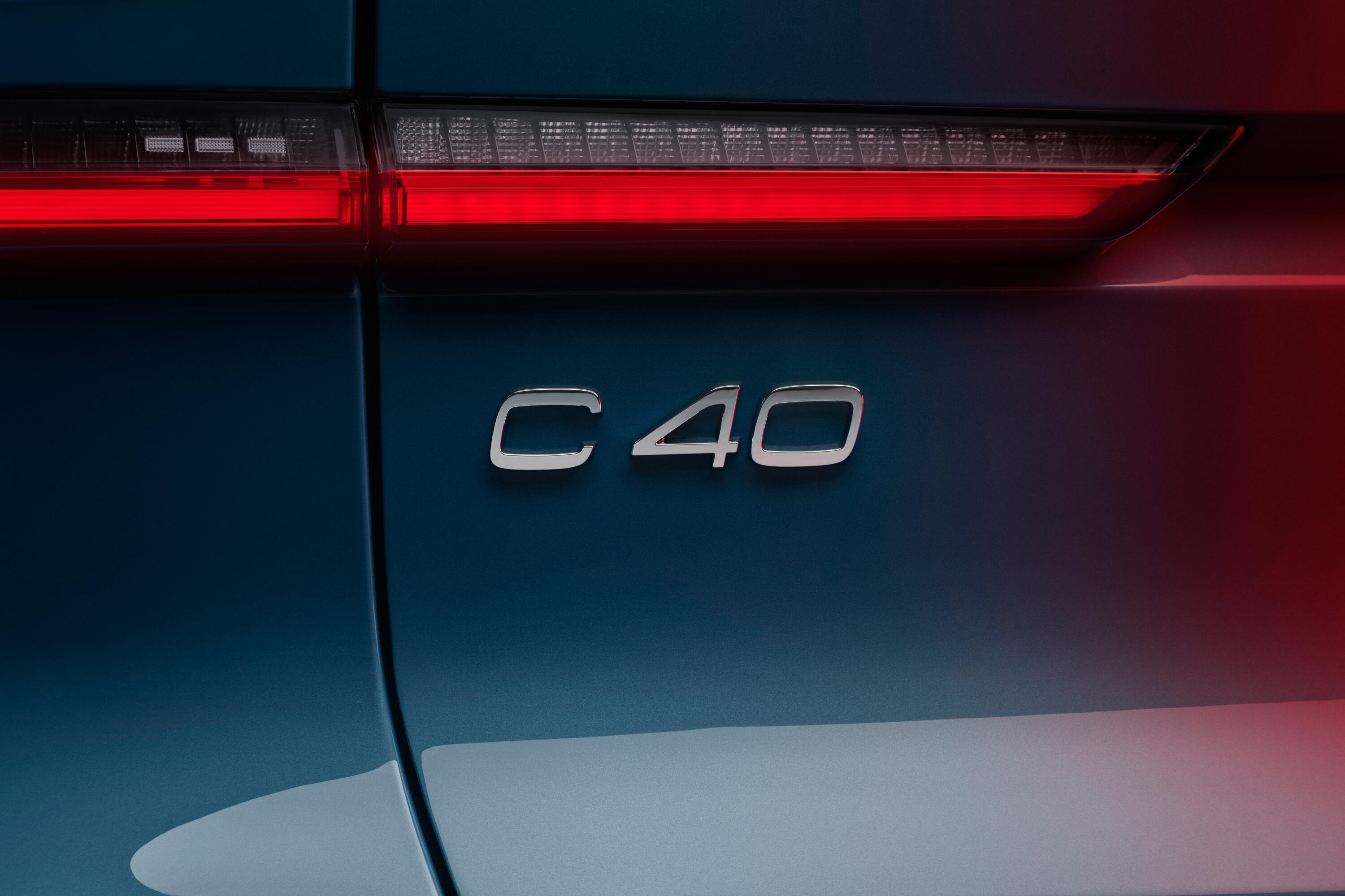 2022-volvo-c40-recharge-ev-crossover-coupe-118