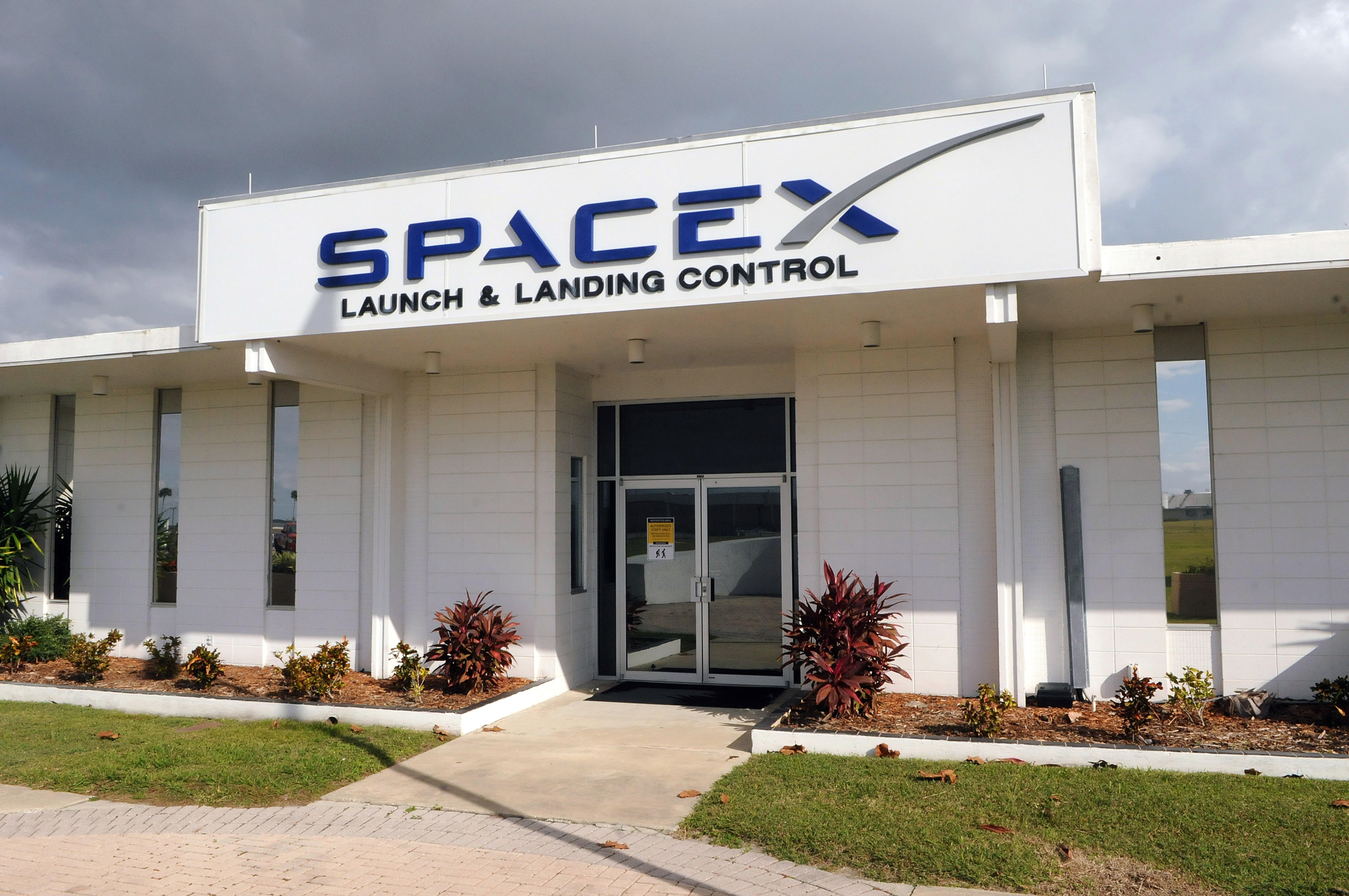 SpaceX To Lay Off 10% Of Its Workers