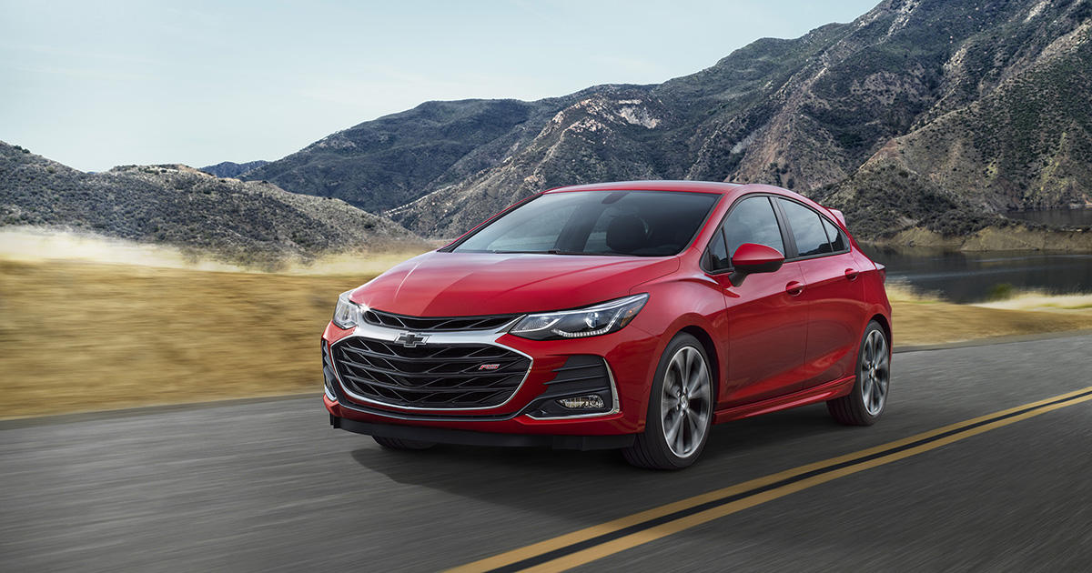 2019 Chevrolet Cruze Model Overview Pricing Tech And Specs Roadshow