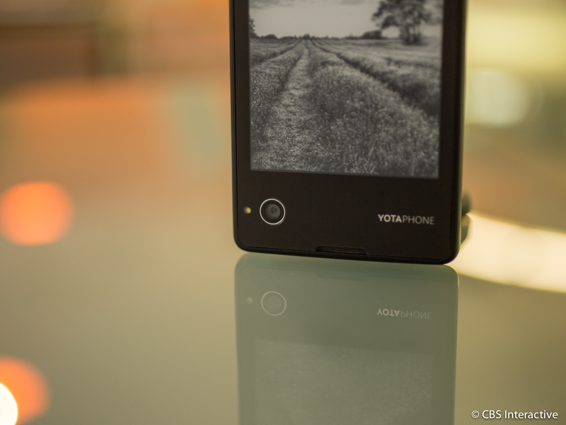 yotaphone-review-new-7.jpg