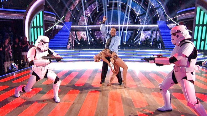 """Billy Dee Williams may not have impressed Princess Leia as Lando Calrissian in """"Star Wars,"""" but he makes up for it with a dance number that might impress the likes of Jabba the Hutt."""