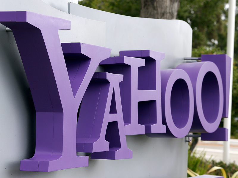 In a test, CNET was able to intercept and read Yahoo instant messages because the company has still not turned on encryption, at least 10 years after the security vulnerability became public.