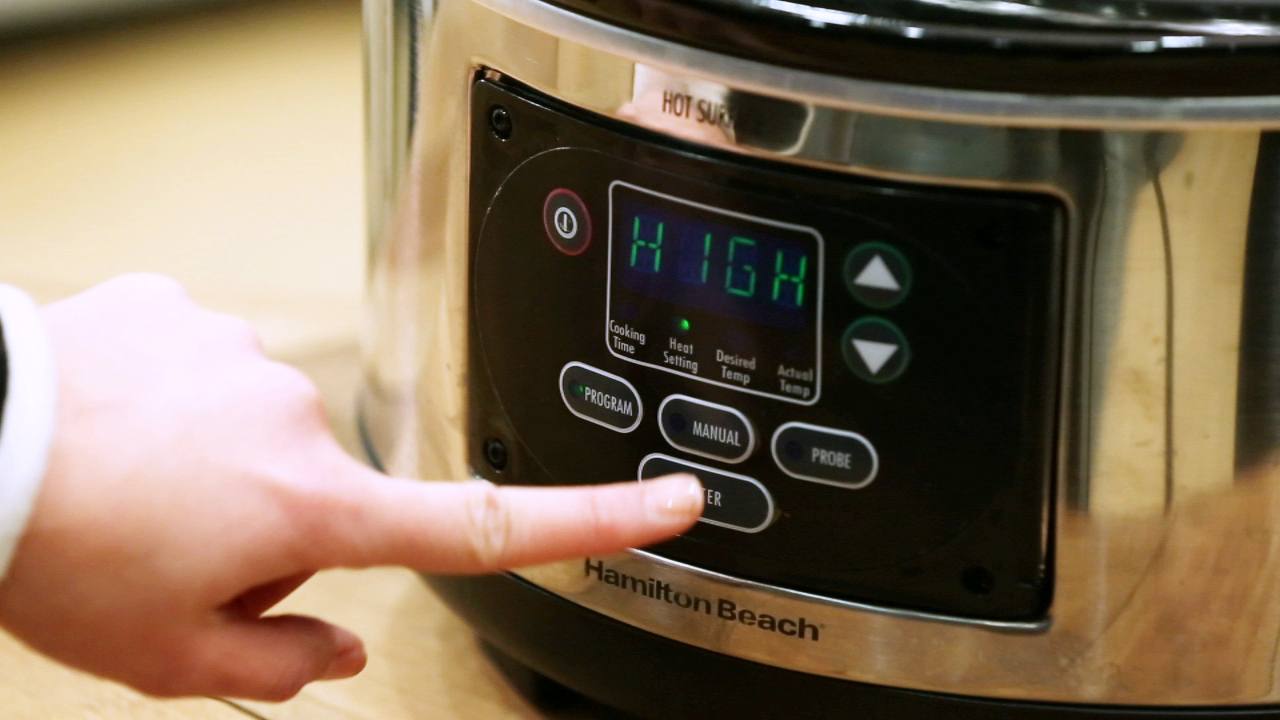Hamilton Beach's feature-rich slow cooker is big on value