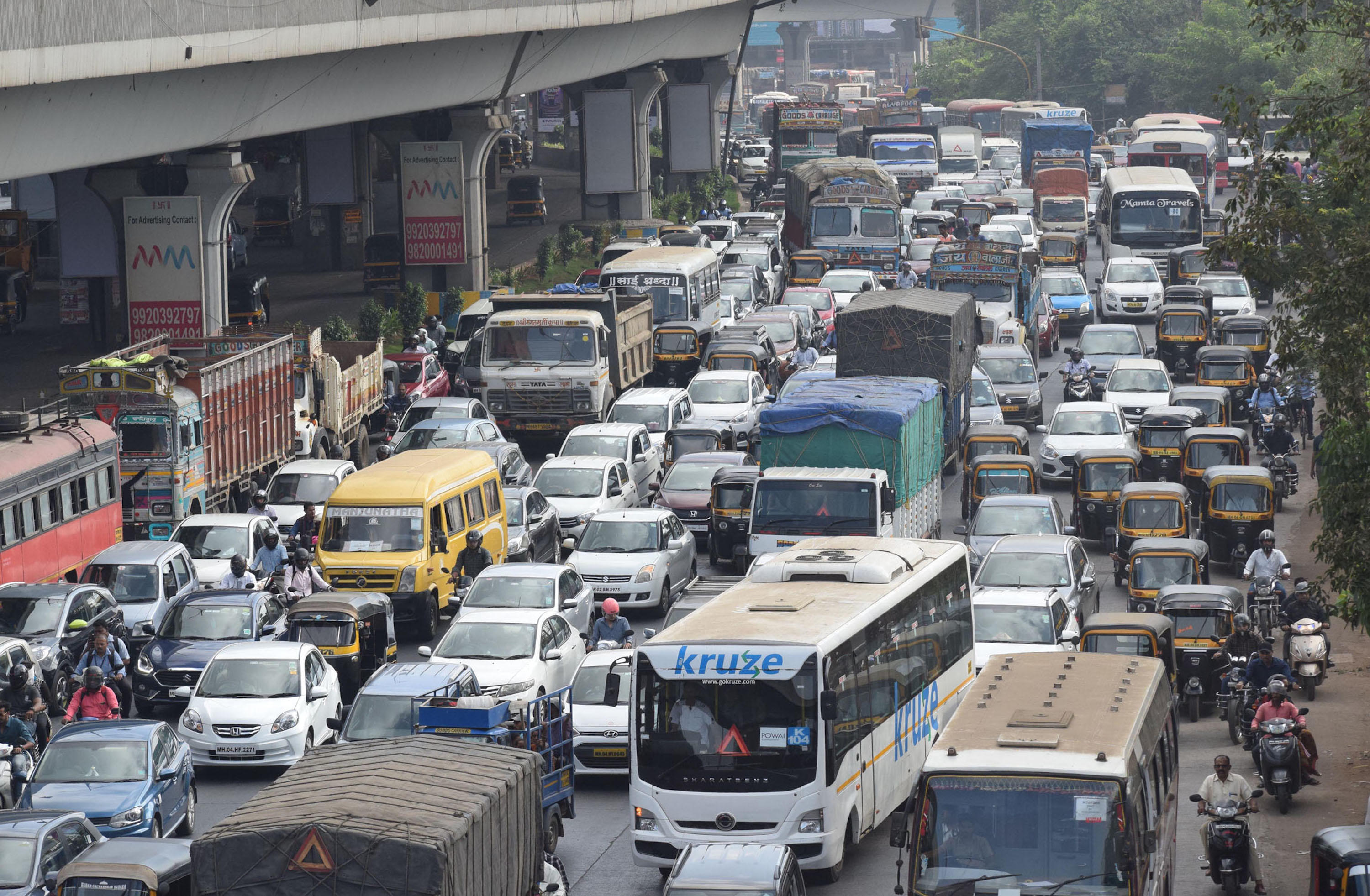 Container Topples On Majiwada Flyover, Causes Traffic Snarls In Mumbai