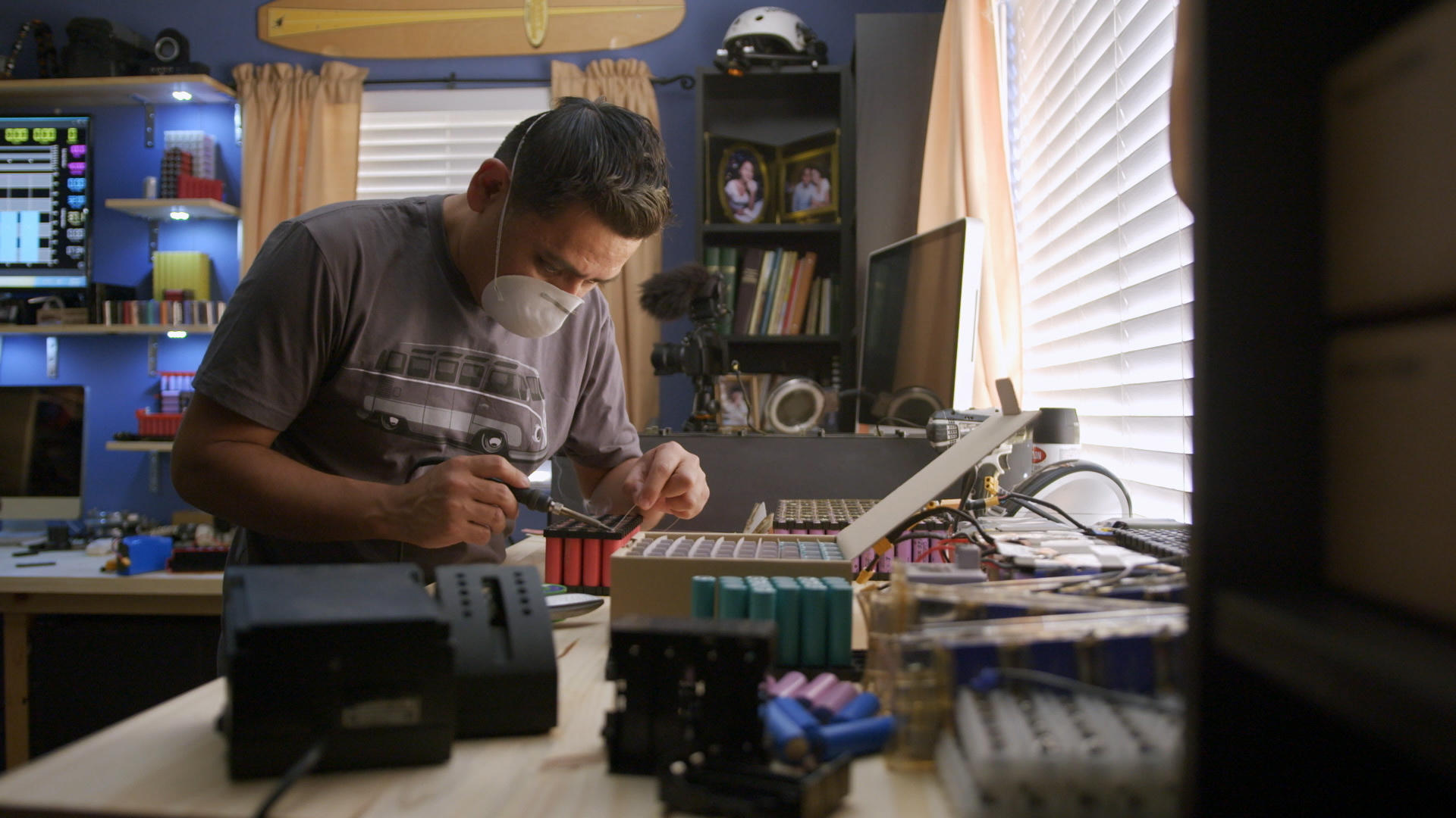 Video: Dear Future: Batteries will be a thing of the past