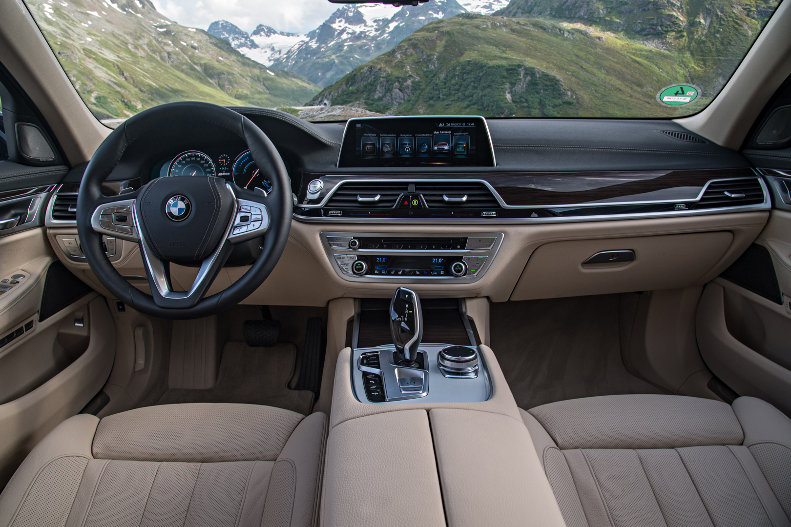 2017 BMW 740Le iPerformance