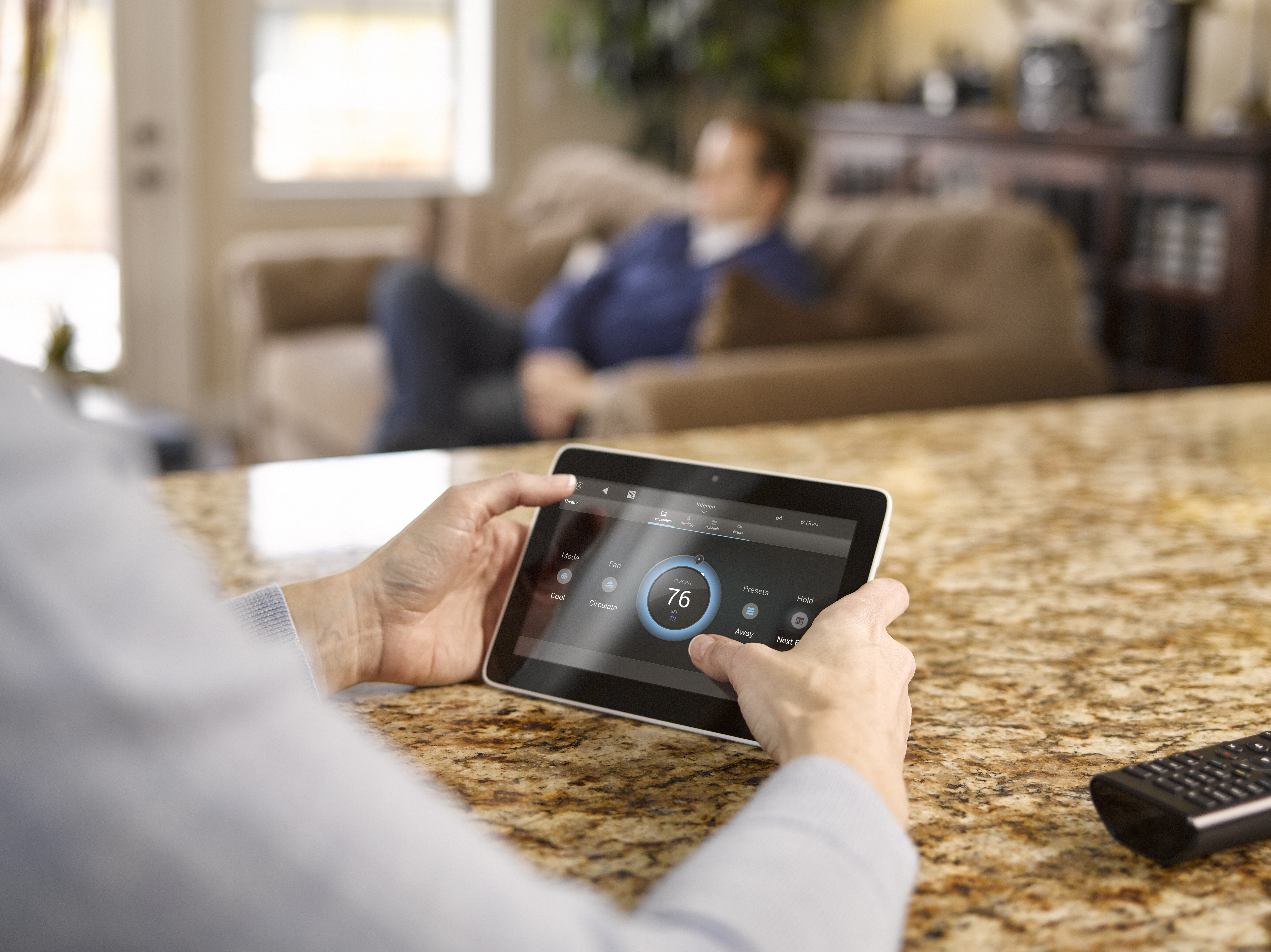 control4-lifestyle-tabletop-touchscreen-1.jpg