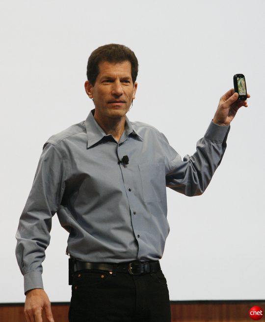 Then-Executive Chairman Jon Rubinstein holds up the Pre at CES 2009.